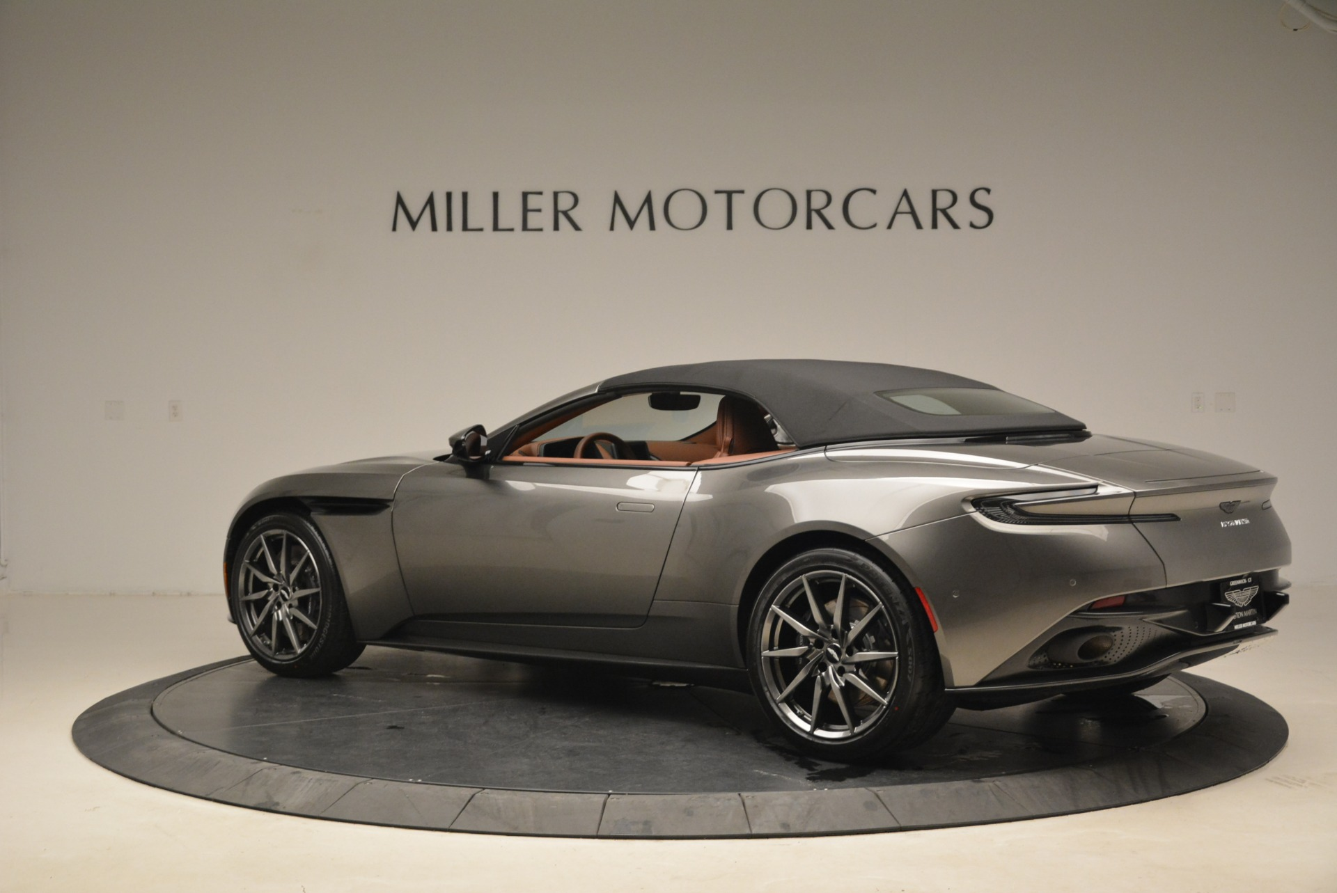 New 2019 Aston Martin DB11 Volante  For Sale In Greenwich, CT. Alfa Romeo of Greenwich, A1284 2209_p16