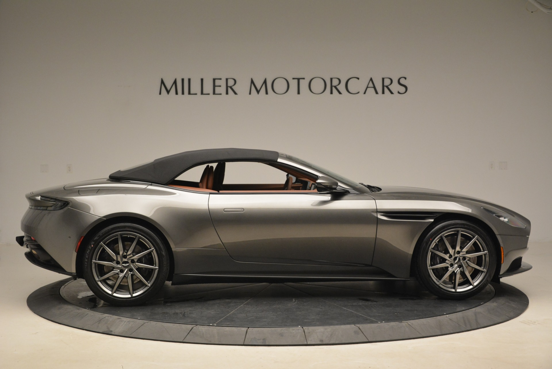 New 2019 Aston Martin DB11 Volante  For Sale In Greenwich, CT. Alfa Romeo of Greenwich, A1284 2209_p21
