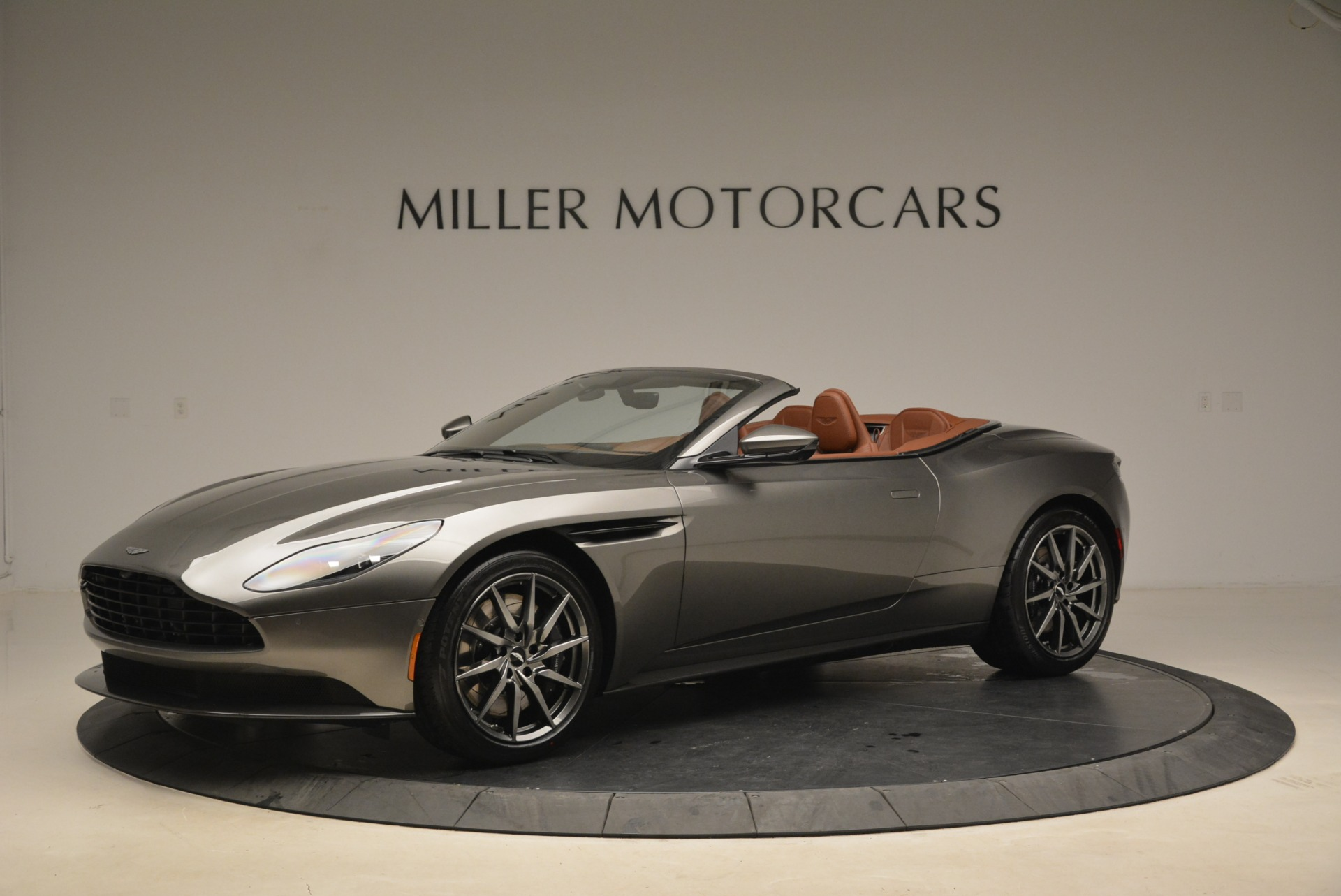 New 2019 Aston Martin DB11 Volante  For Sale In Greenwich, CT. Alfa Romeo of Greenwich, A1284 2209_p2