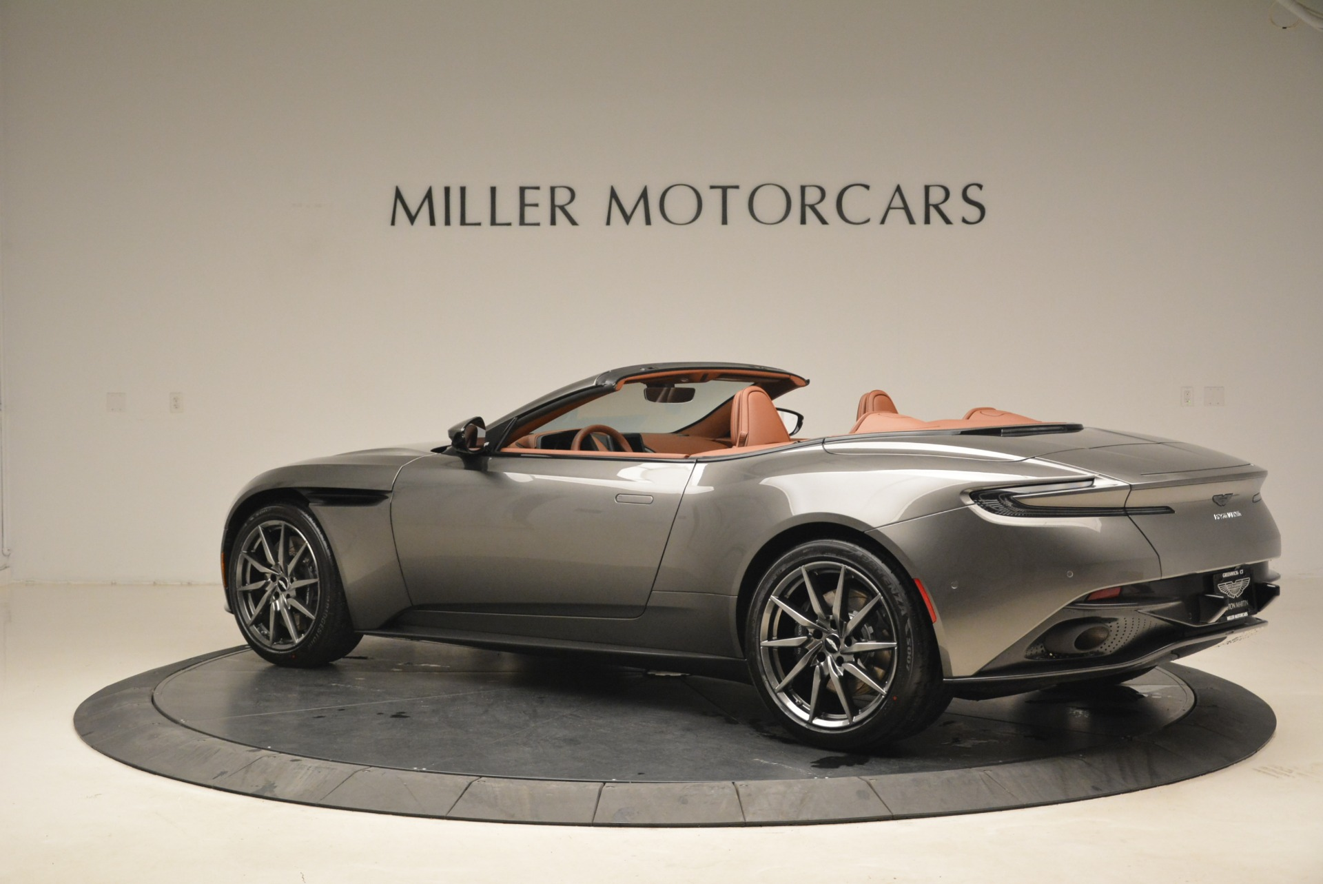 New 2019 Aston Martin DB11 Volante  For Sale In Greenwich, CT. Alfa Romeo of Greenwich, A1284 2209_p4