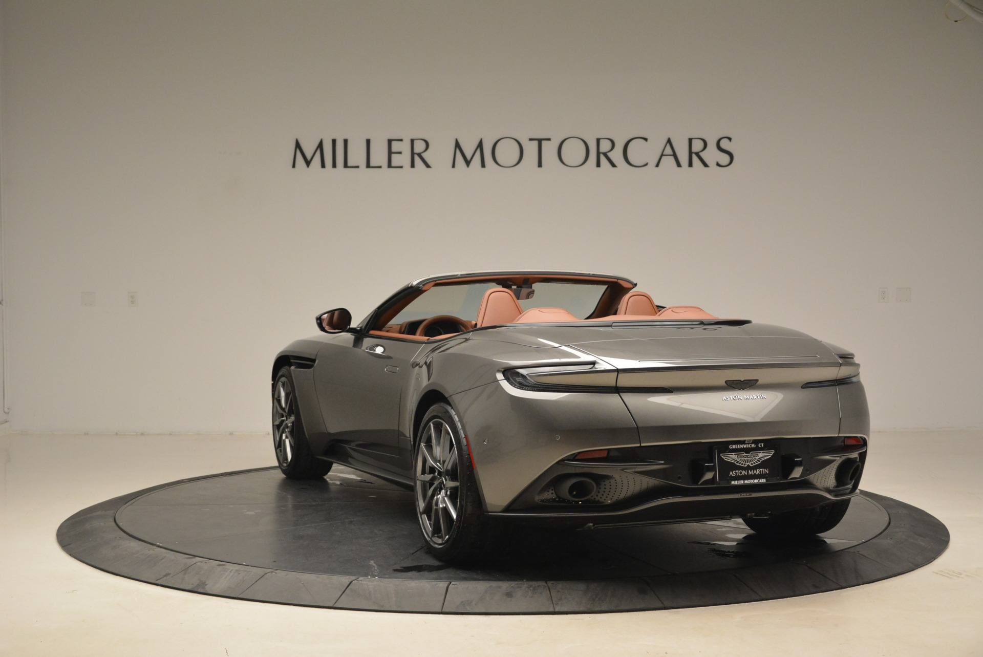 New 2019 Aston Martin DB11 Volante  For Sale In Greenwich, CT. Alfa Romeo of Greenwich, A1284 2209_p5