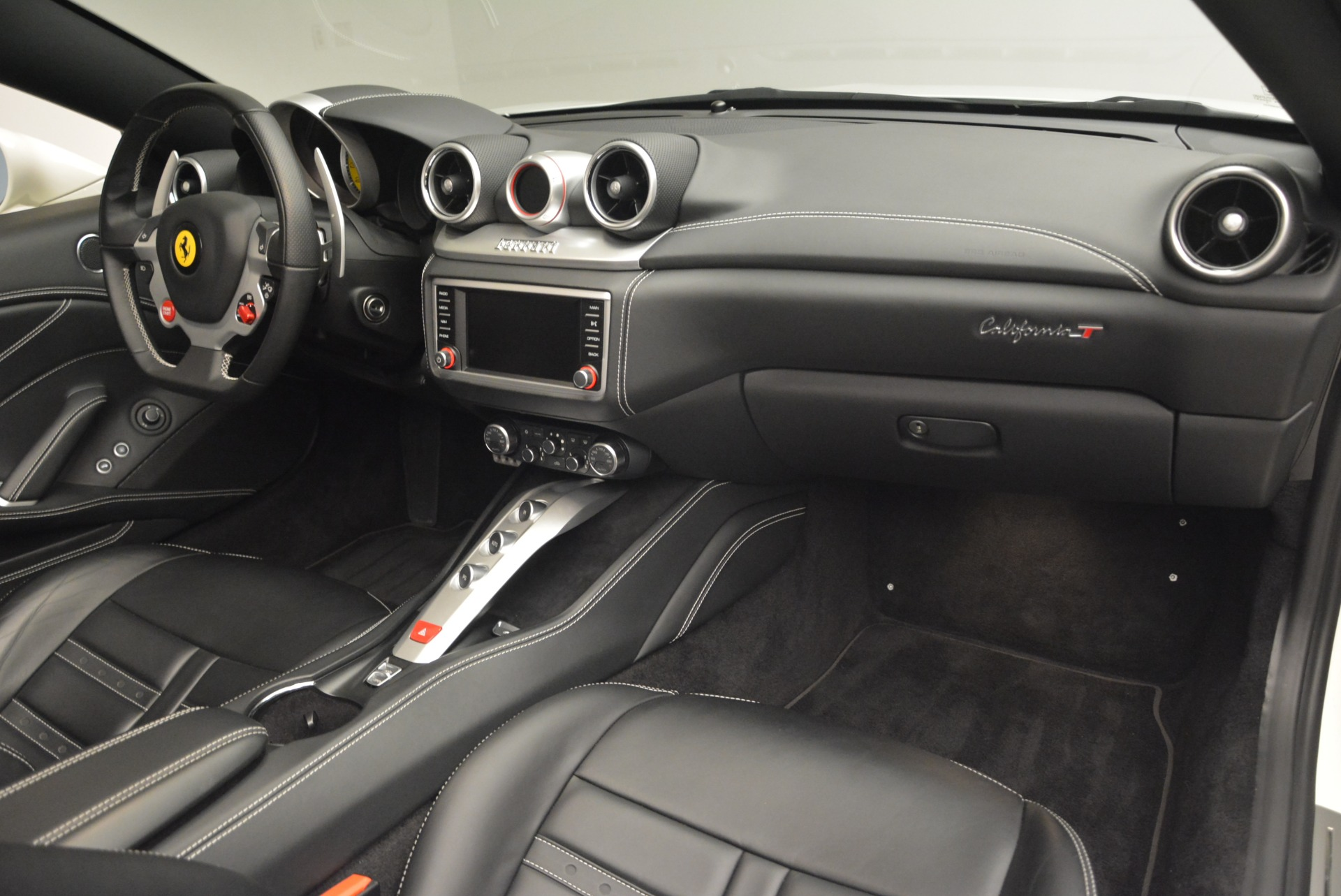 Used 2016 Ferrari California T  For Sale In Greenwich, CT. Alfa Romeo of Greenwich, 4541 2213_p30