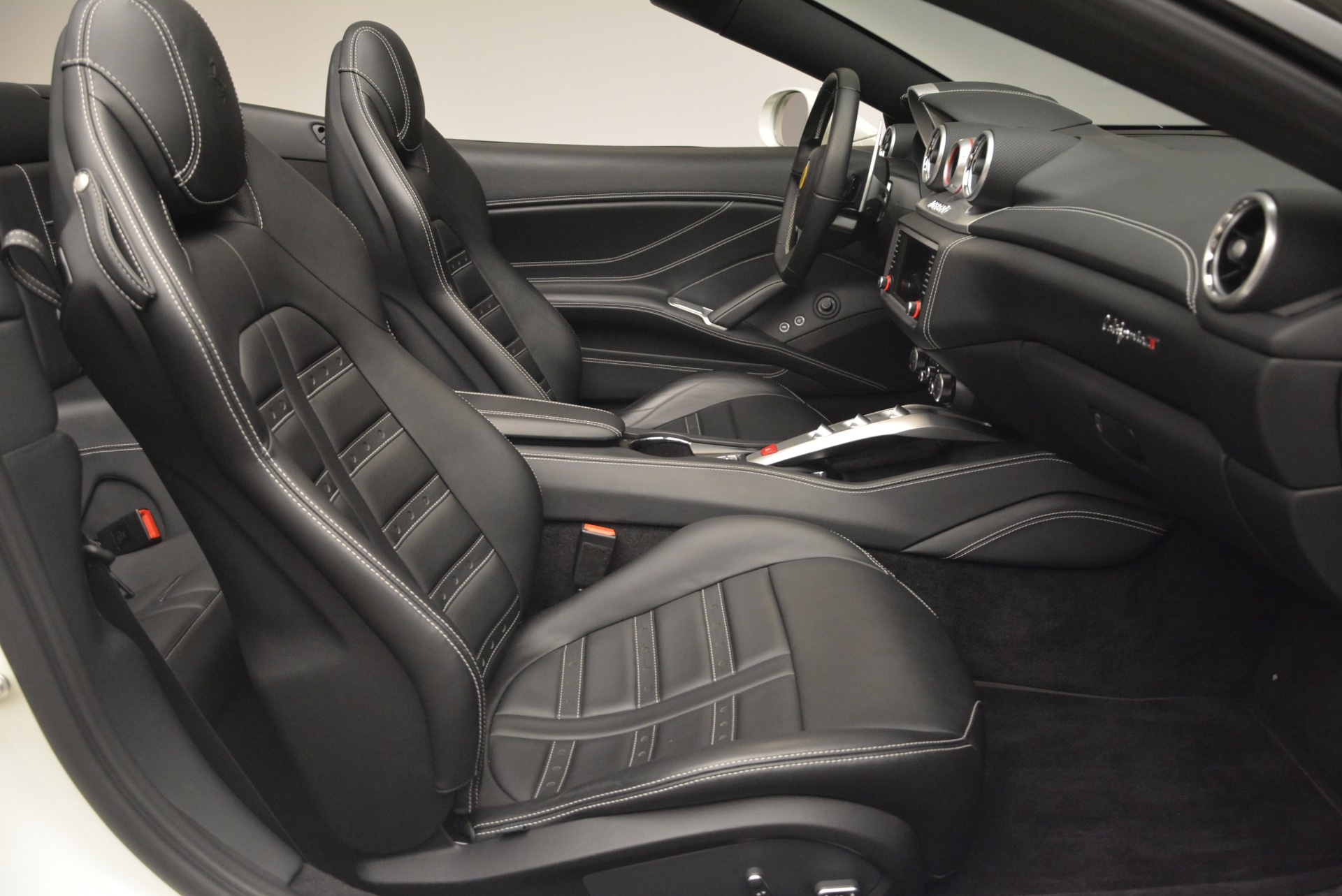 Used 2016 Ferrari California T  For Sale In Greenwich, CT. Alfa Romeo of Greenwich, 4541 2213_p31