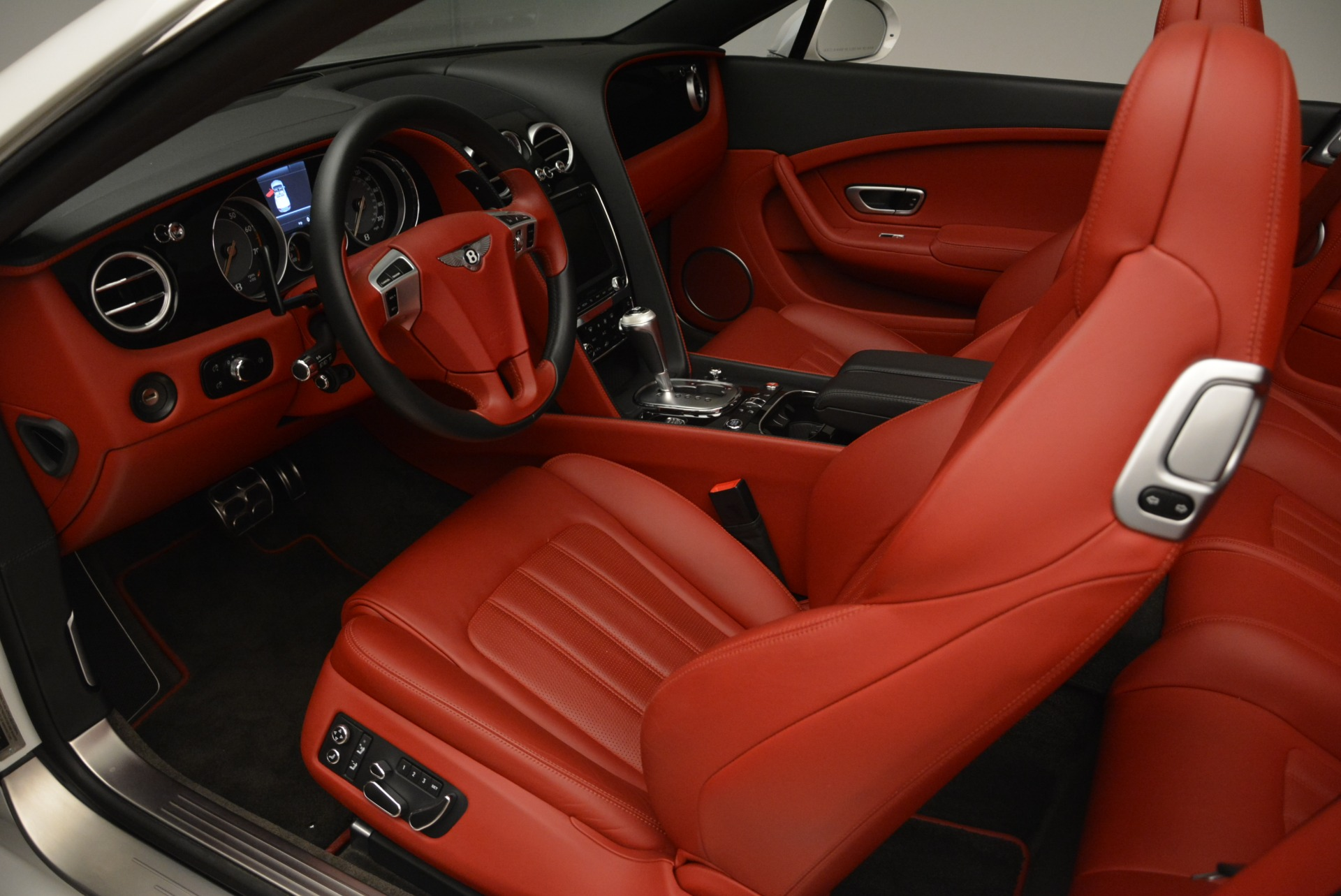 Used 2015 Bentley Continental GT V8 S For Sale In Greenwich, CT. Alfa Romeo of Greenwich, 7358 2214_p20