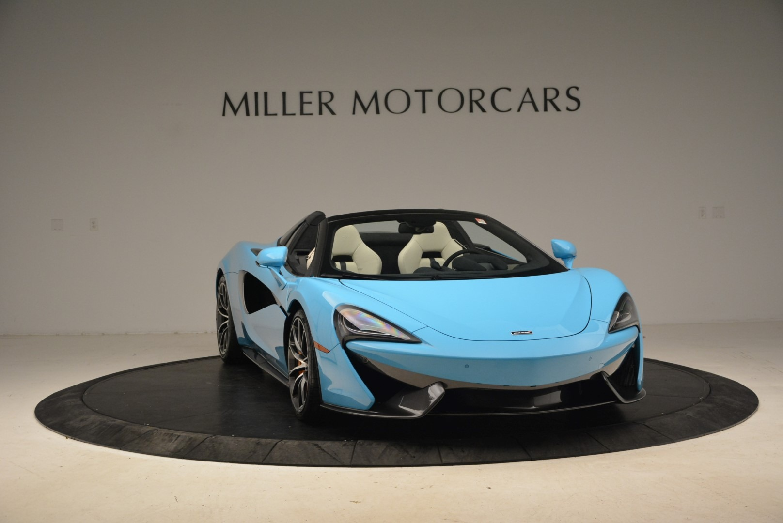 Used 2018 McLaren 570S Spider For Sale In Greenwich, CT. Alfa Romeo of Greenwich, MC355 2215_p11