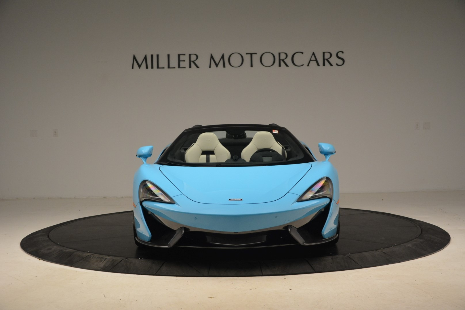 Used 2018 McLaren 570S Spider For Sale In Greenwich, CT. Alfa Romeo of Greenwich, MC355 2215_p12