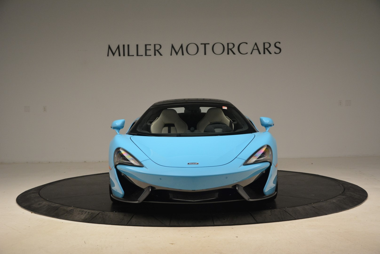 Used 2018 McLaren 570S Spider For Sale In Greenwich, CT. Alfa Romeo of Greenwich, MC355 2215_p14