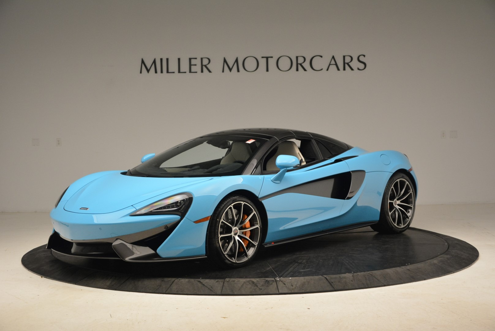 Used 2018 McLaren 570S Spider For Sale In Greenwich, CT. Alfa Romeo of Greenwich, MC355 2215_p15