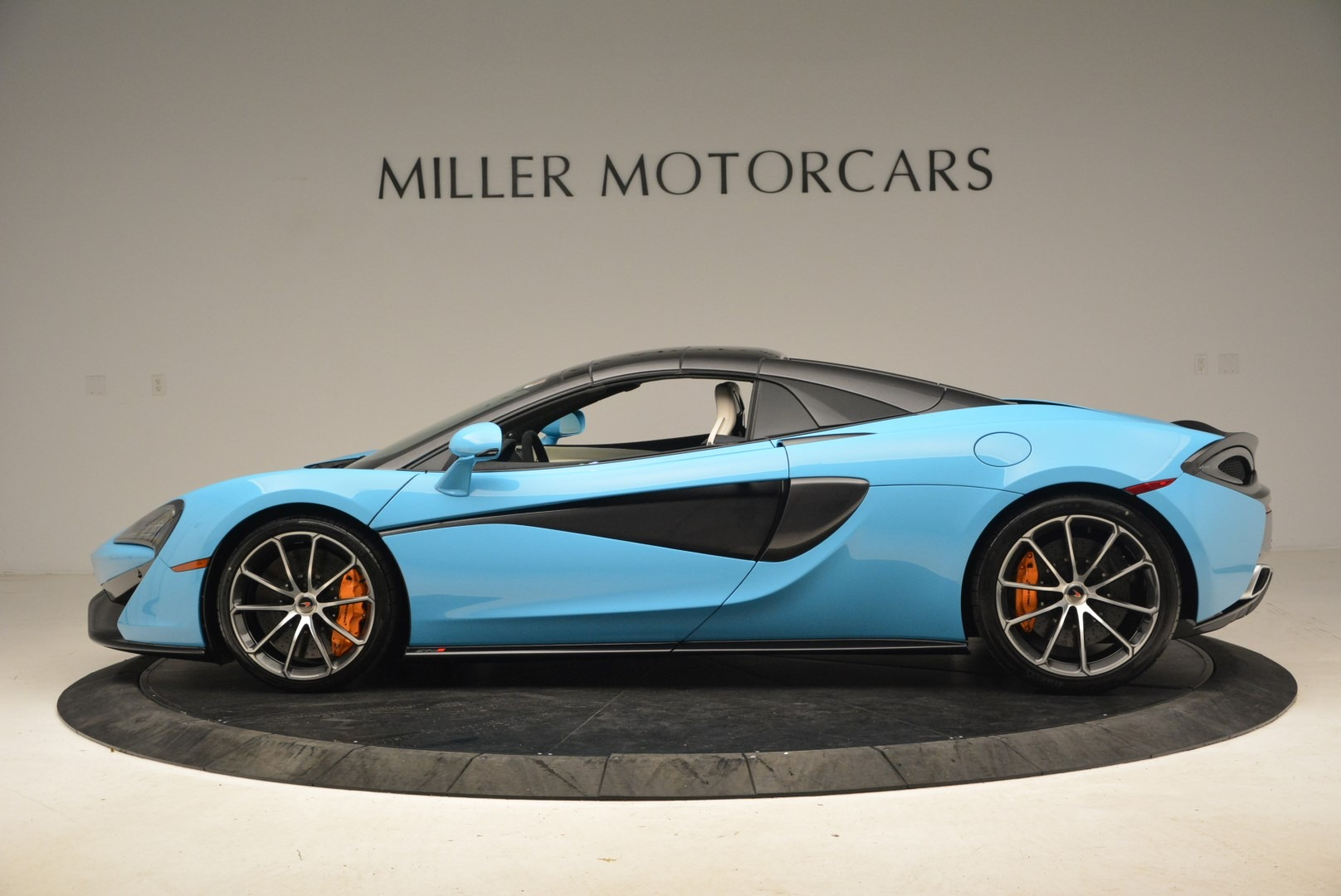 Used 2018 McLaren 570S Spider For Sale In Greenwich, CT. Alfa Romeo of Greenwich, MC355 2215_p16