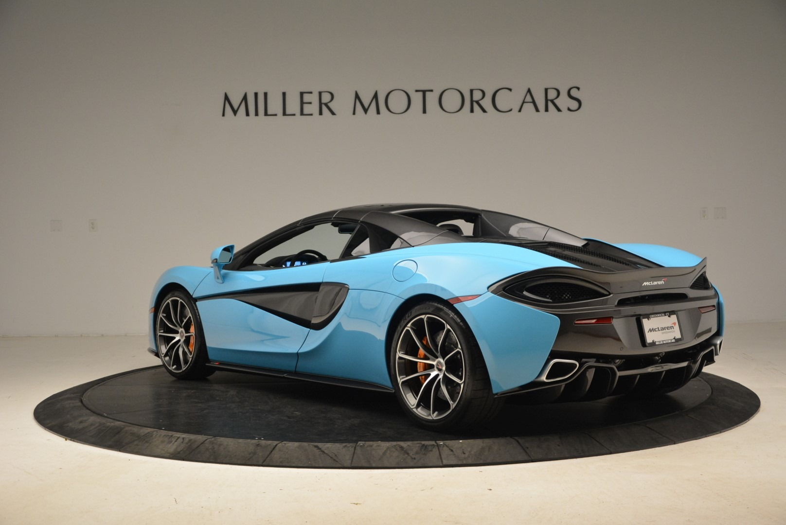 Used 2018 McLaren 570S Spider For Sale In Greenwich, CT. Alfa Romeo of Greenwich, MC355 2215_p17