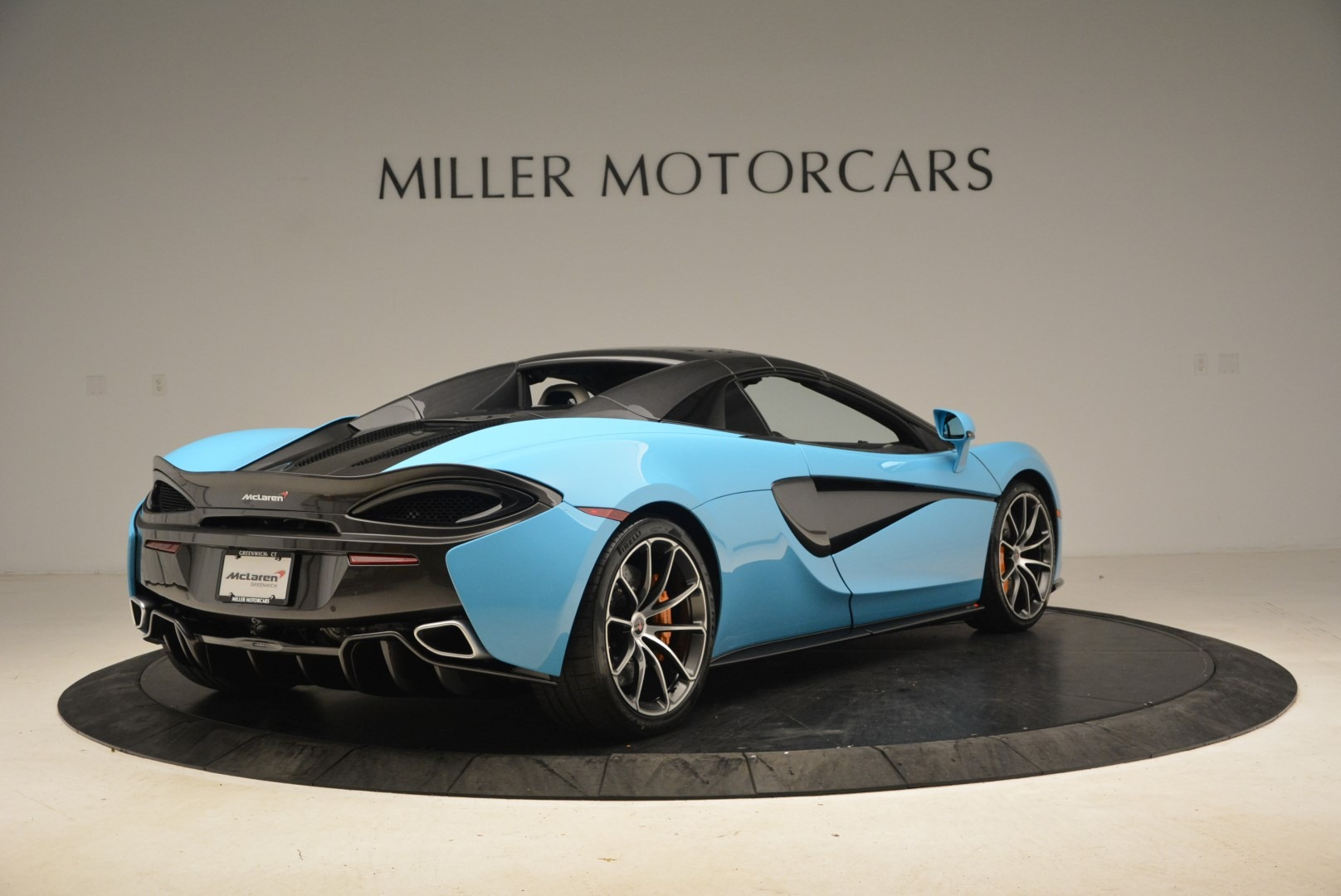 Used 2018 McLaren 570S Spider For Sale In Greenwich, CT. Alfa Romeo of Greenwich, MC355 2215_p19