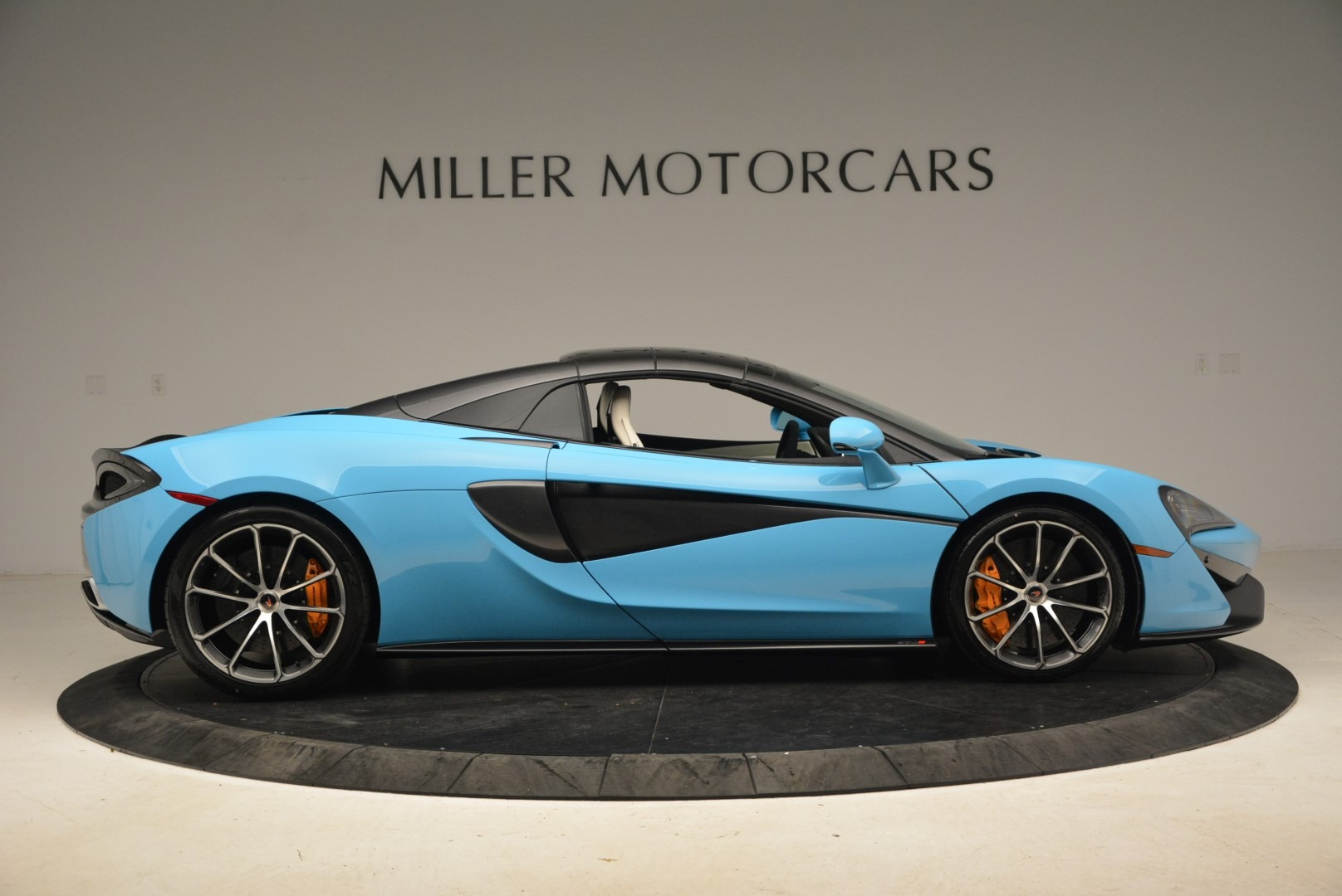 Used 2018 McLaren 570S Spider For Sale In Greenwich, CT. Alfa Romeo of Greenwich, MC355 2215_p20