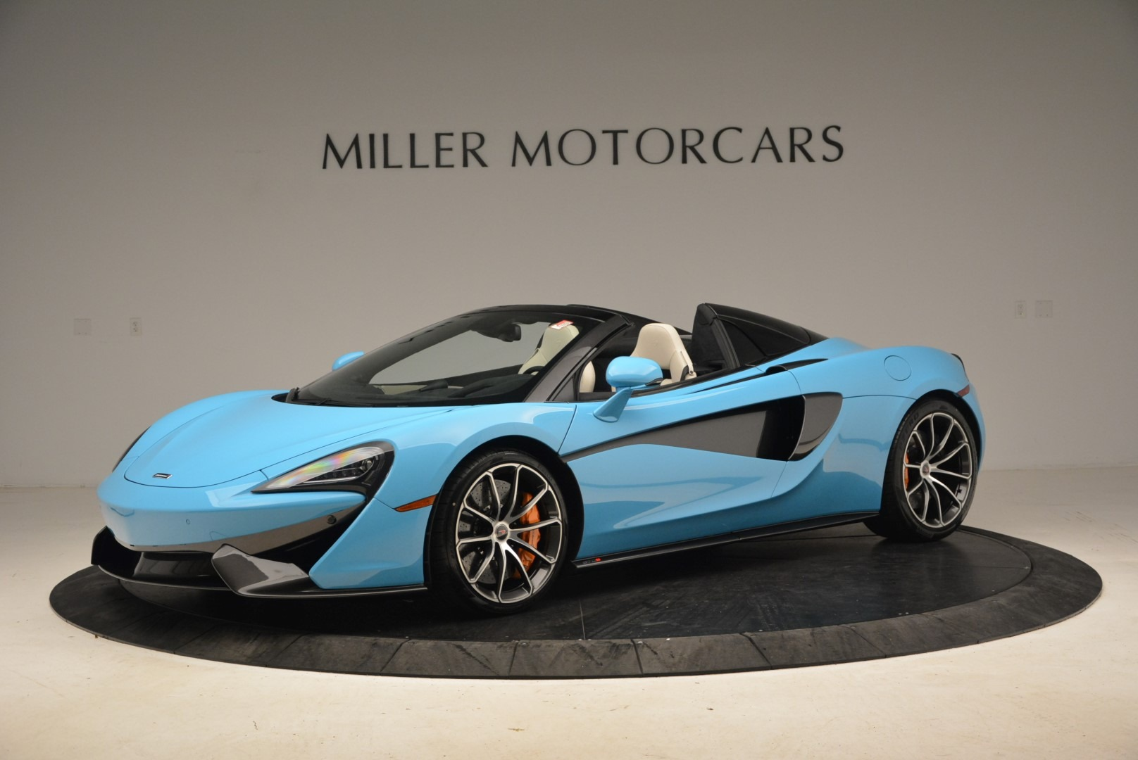 Used 2018 McLaren 570S Spider For Sale In Greenwich, CT. Alfa Romeo of Greenwich, MC355 2215_p2