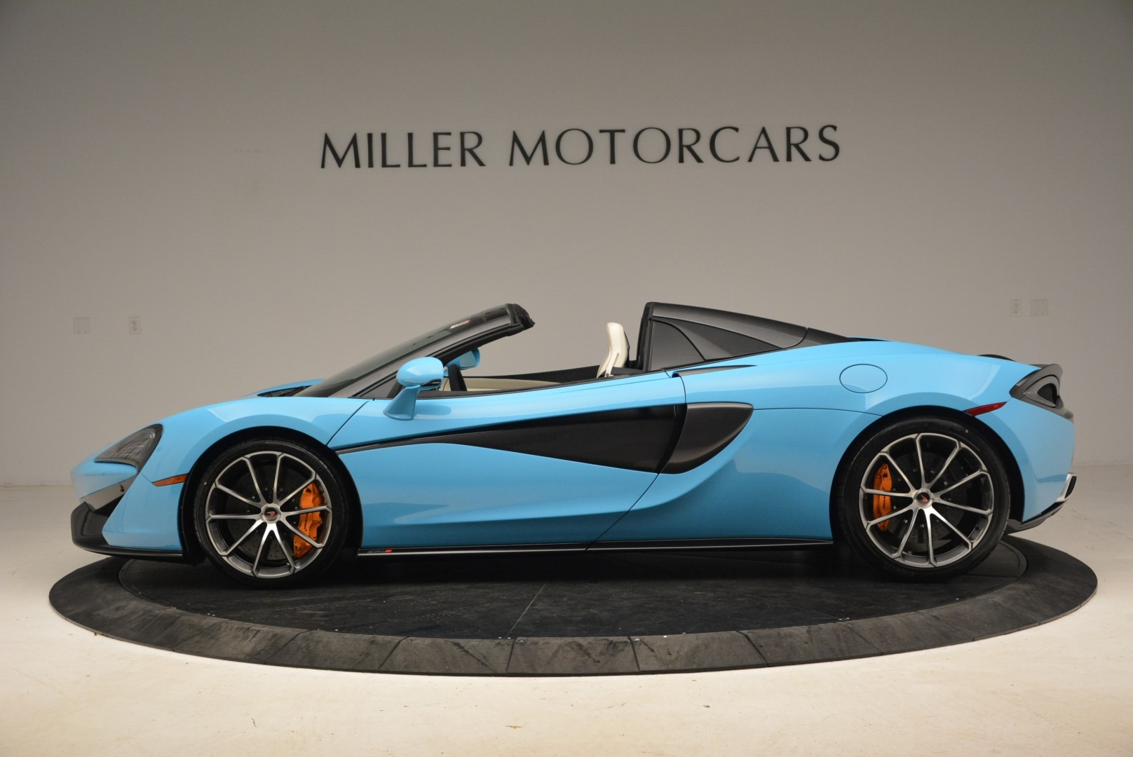 Used 2018 McLaren 570S Spider For Sale In Greenwich, CT. Alfa Romeo of Greenwich, MC355 2215_p3