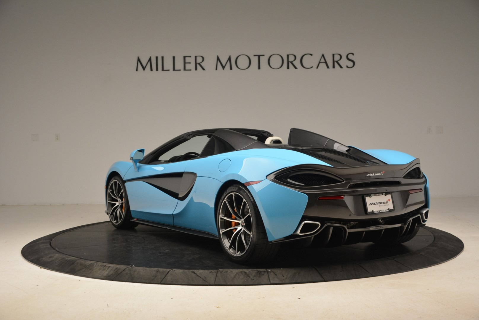 Used 2018 McLaren 570S Spider For Sale In Greenwich, CT. Alfa Romeo of Greenwich, MC355 2215_p5