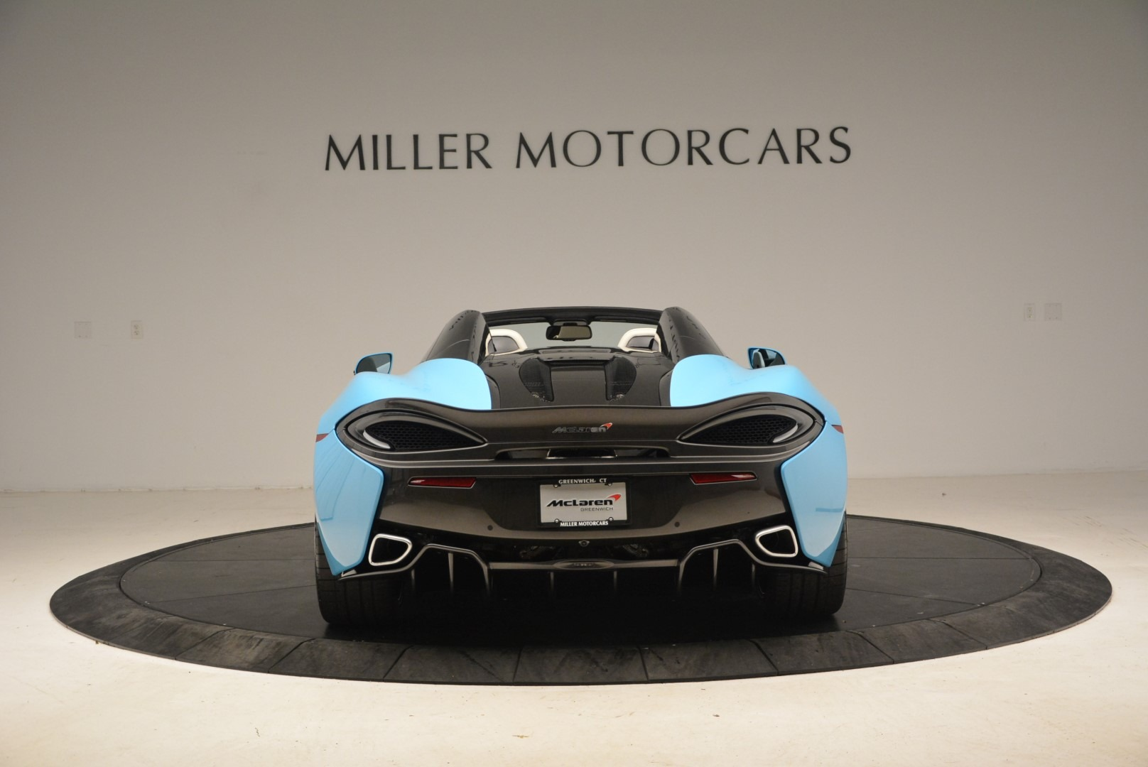 Used 2018 McLaren 570S Spider For Sale In Greenwich, CT. Alfa Romeo of Greenwich, MC355 2215_p6
