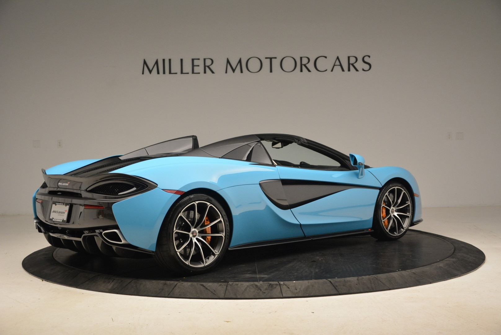 Used 2018 McLaren 570S Spider For Sale In Greenwich, CT. Alfa Romeo of Greenwich, MC355 2215_p8