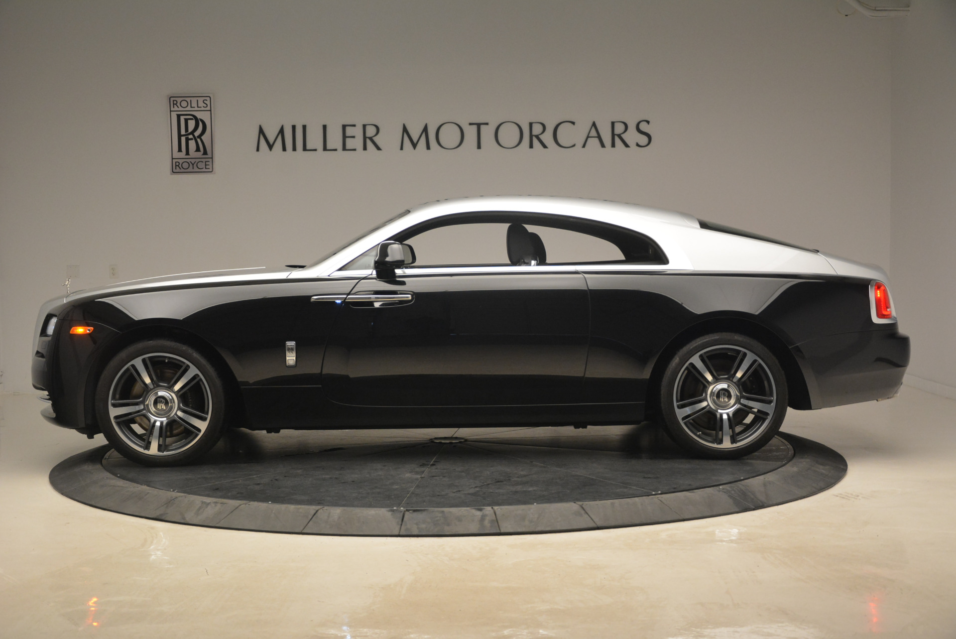 Used 2014 Rolls-Royce Wraith  For Sale In Greenwich, CT. Alfa Romeo of Greenwich, R432A 2216_p3