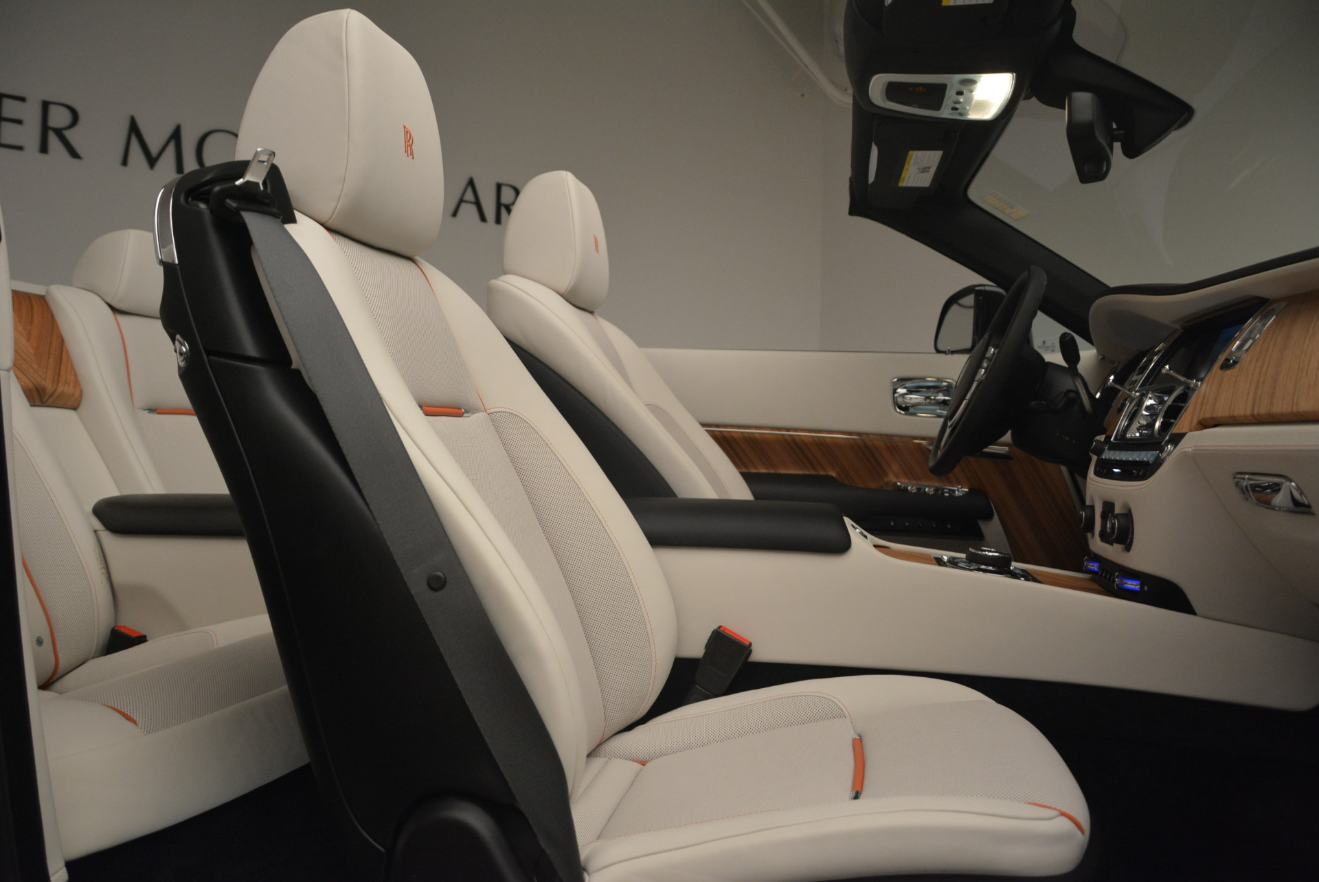 Used 2016 Rolls-Royce Dawn  For Sale In Greenwich, CT. Alfa Romeo of Greenwich, F1860A 2220_p42