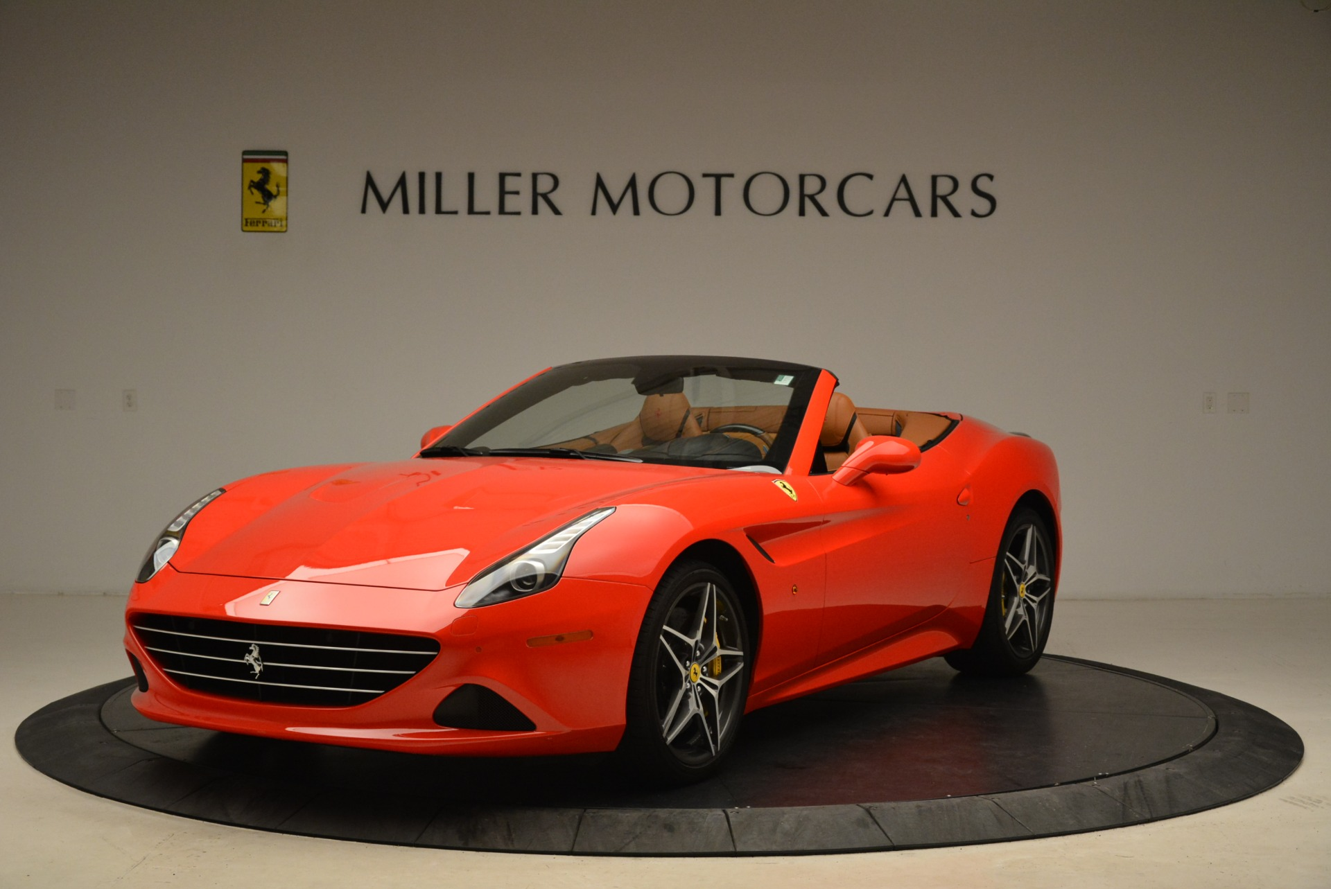 Used 2015 Ferrari California T  For Sale In Greenwich, CT. Alfa Romeo of Greenwich, 4475 2221_main