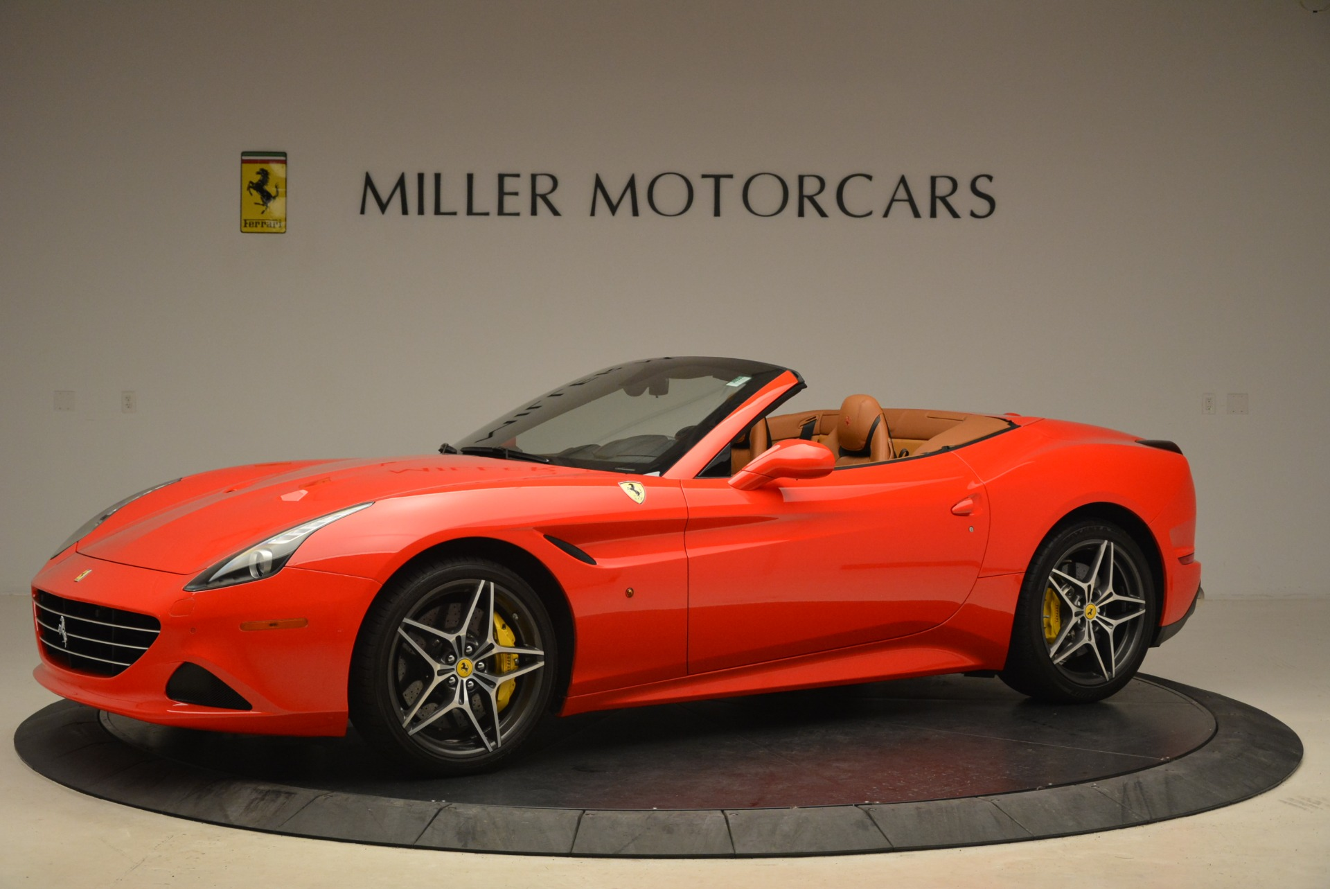 Used 2015 Ferrari California T  For Sale In Greenwich, CT. Alfa Romeo of Greenwich, 4475 2221_p2