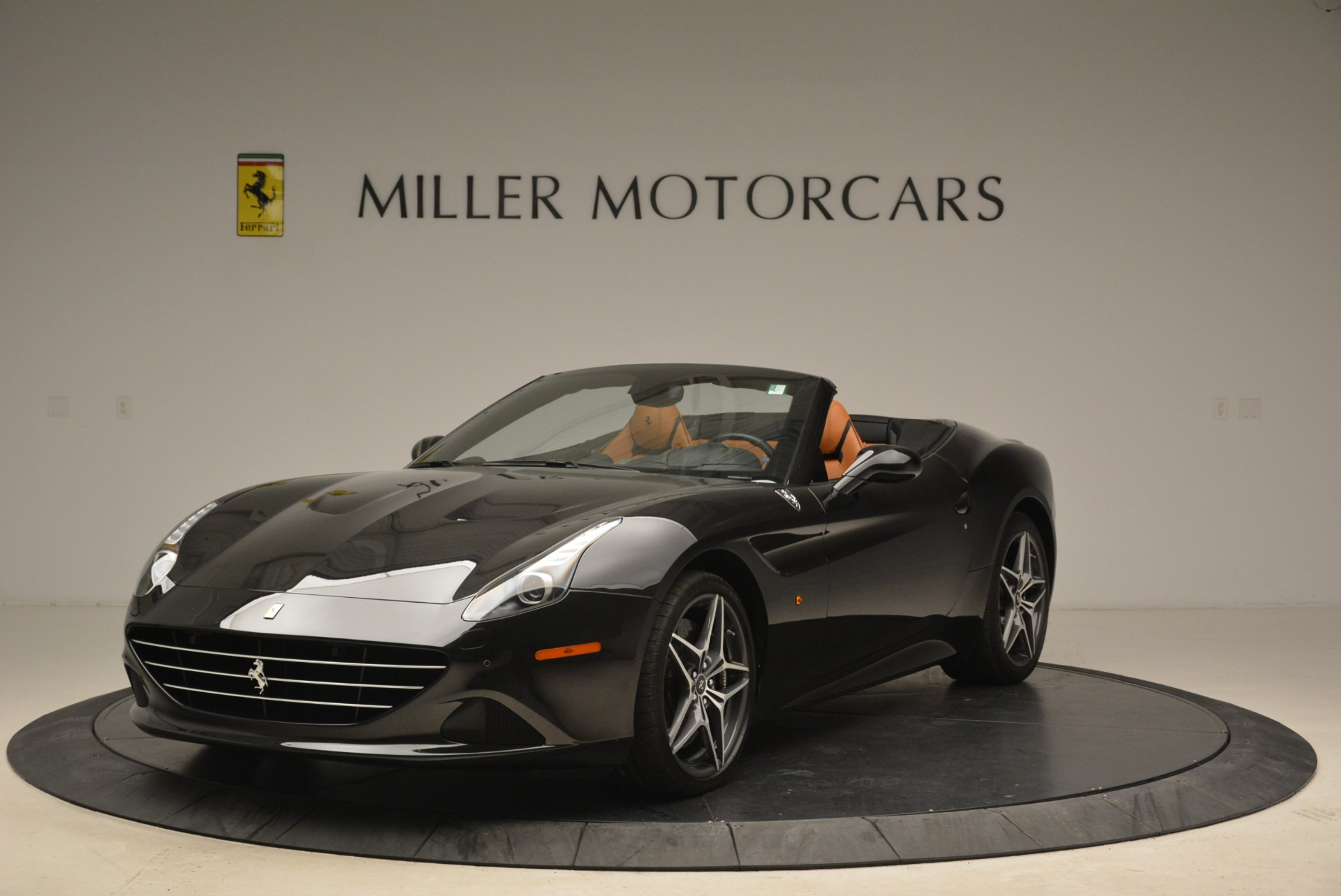 Used 2015 Ferrari California T  For Sale In Greenwich, CT. Alfa Romeo of Greenwich, 4458A 2224_main