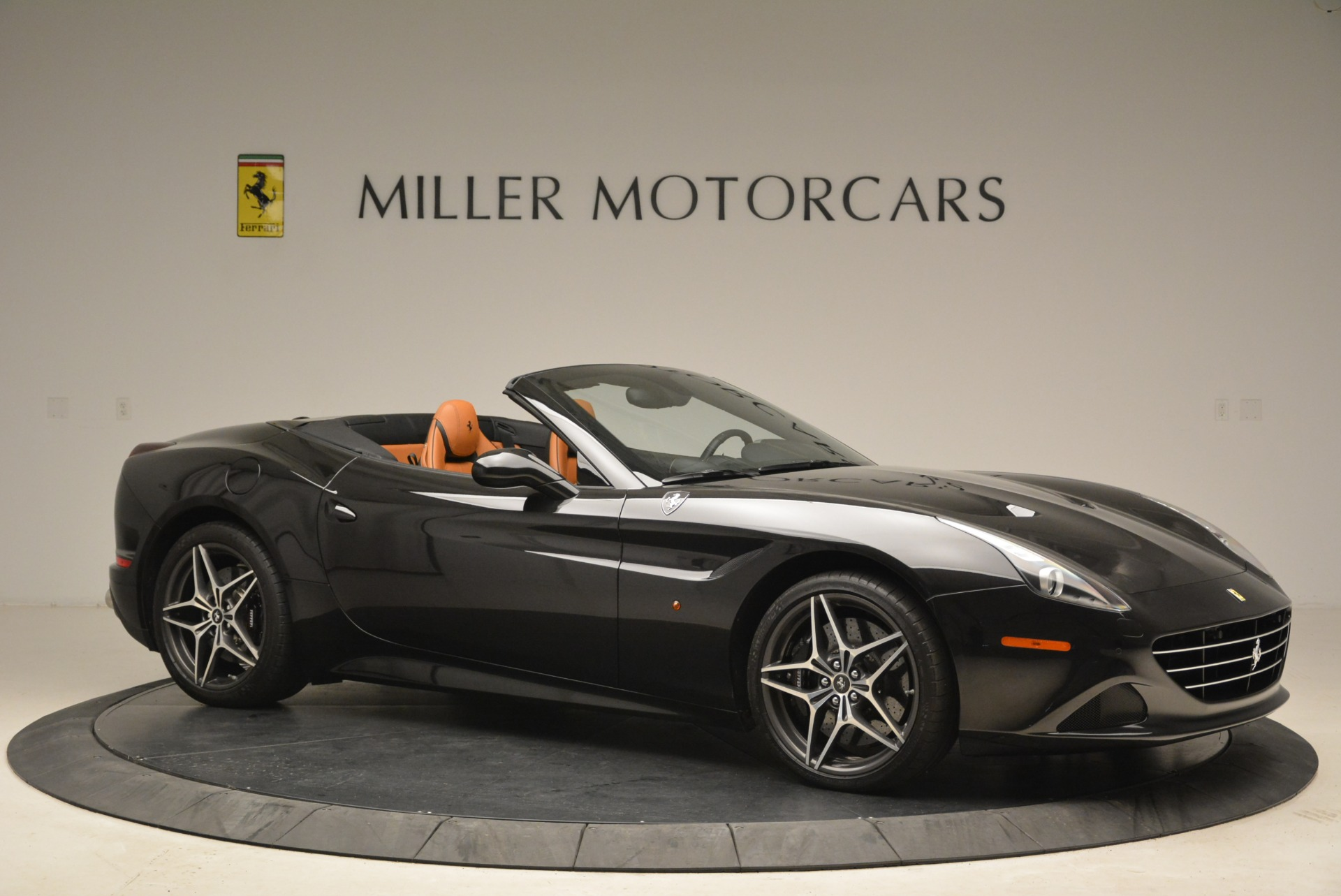 Used 2015 Ferrari California T  For Sale In Greenwich, CT. Alfa Romeo of Greenwich, 4458A 2224_p10