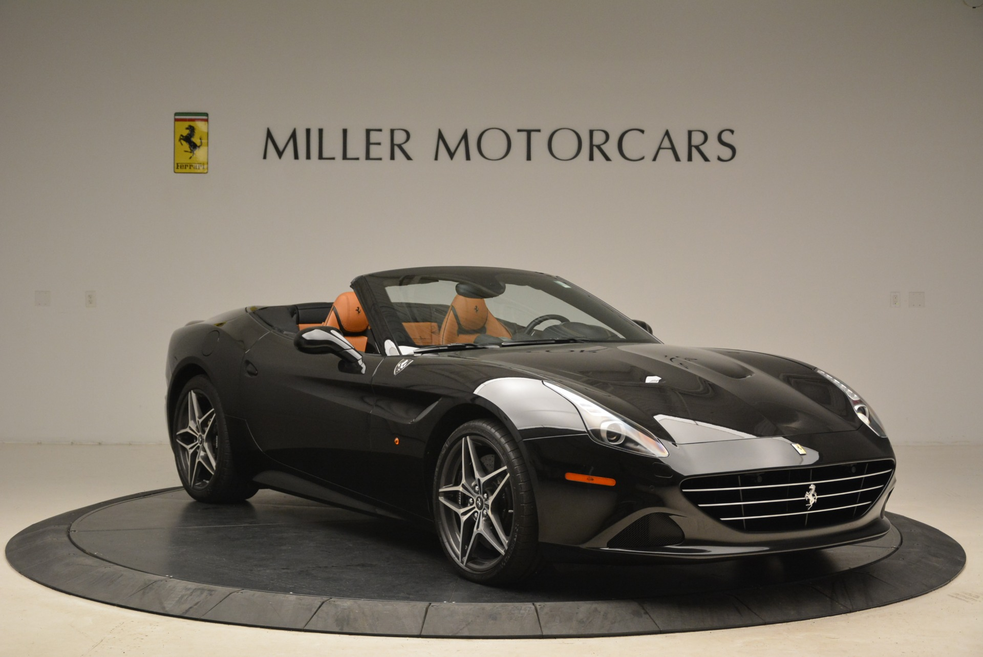Used 2015 Ferrari California T  For Sale In Greenwich, CT. Alfa Romeo of Greenwich, 4458A 2224_p11