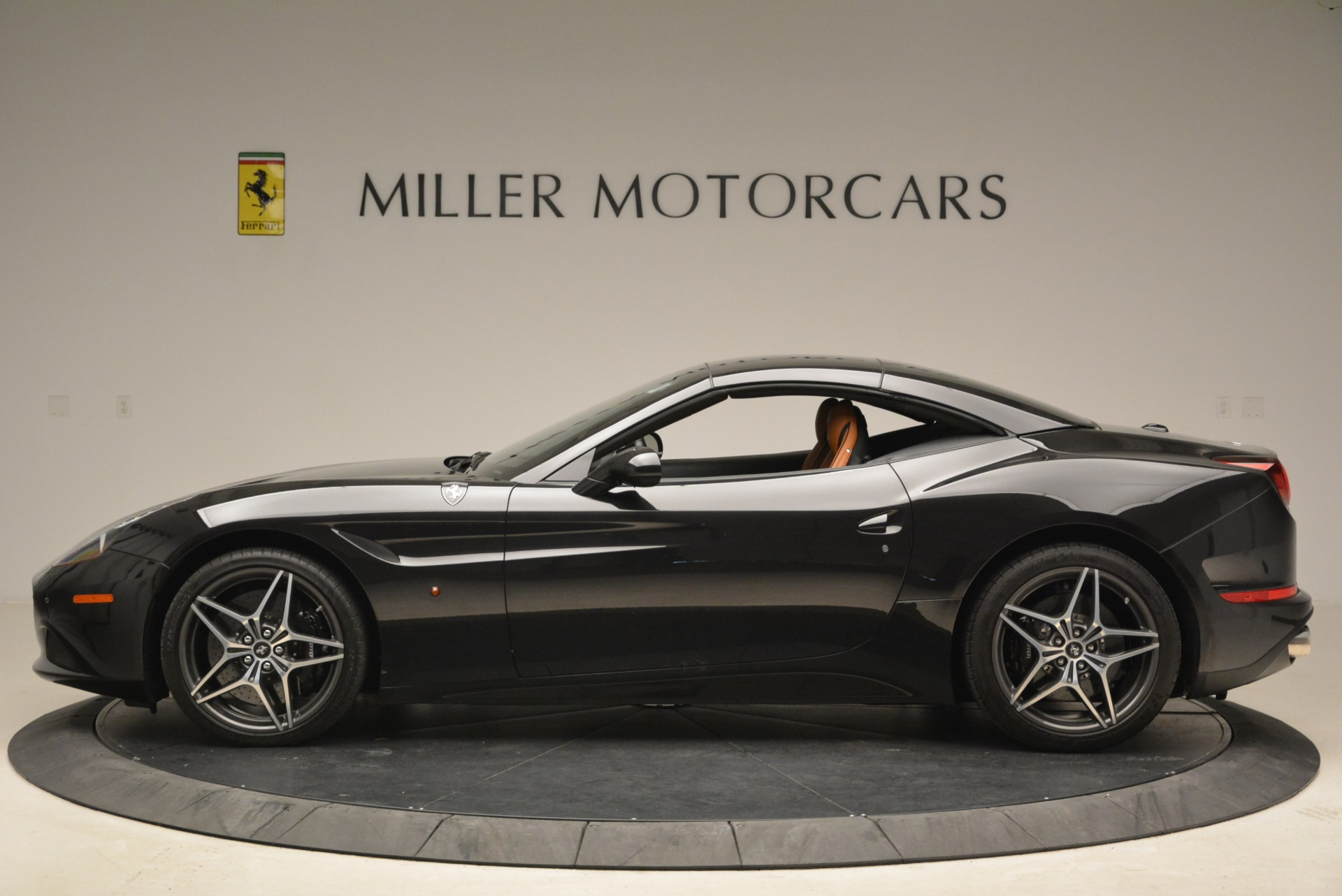 Used 2015 Ferrari California T  For Sale In Greenwich, CT. Alfa Romeo of Greenwich, 4458A 2224_p15