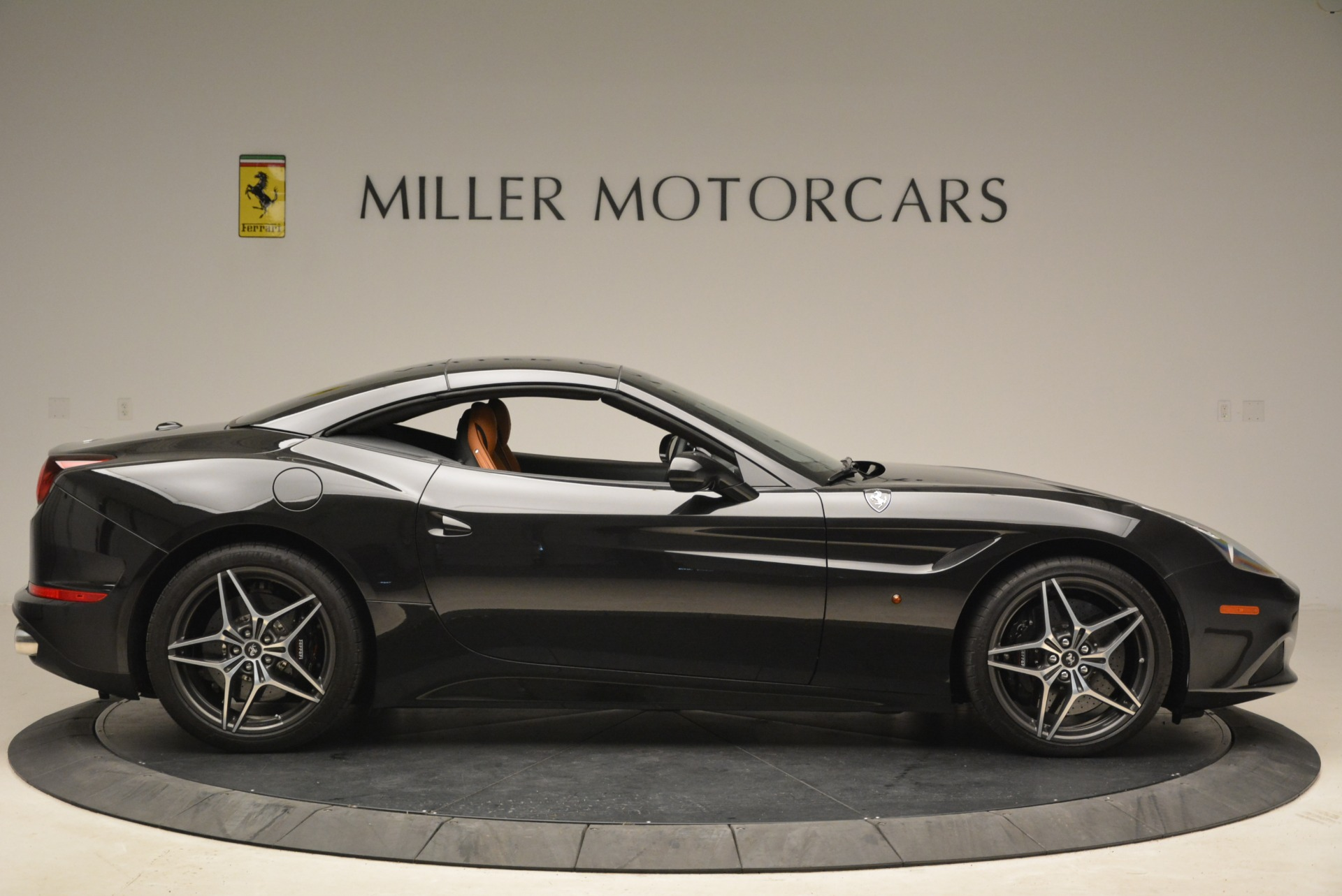 Used 2015 Ferrari California T  For Sale In Greenwich, CT. Alfa Romeo of Greenwich, 4458A 2224_p21