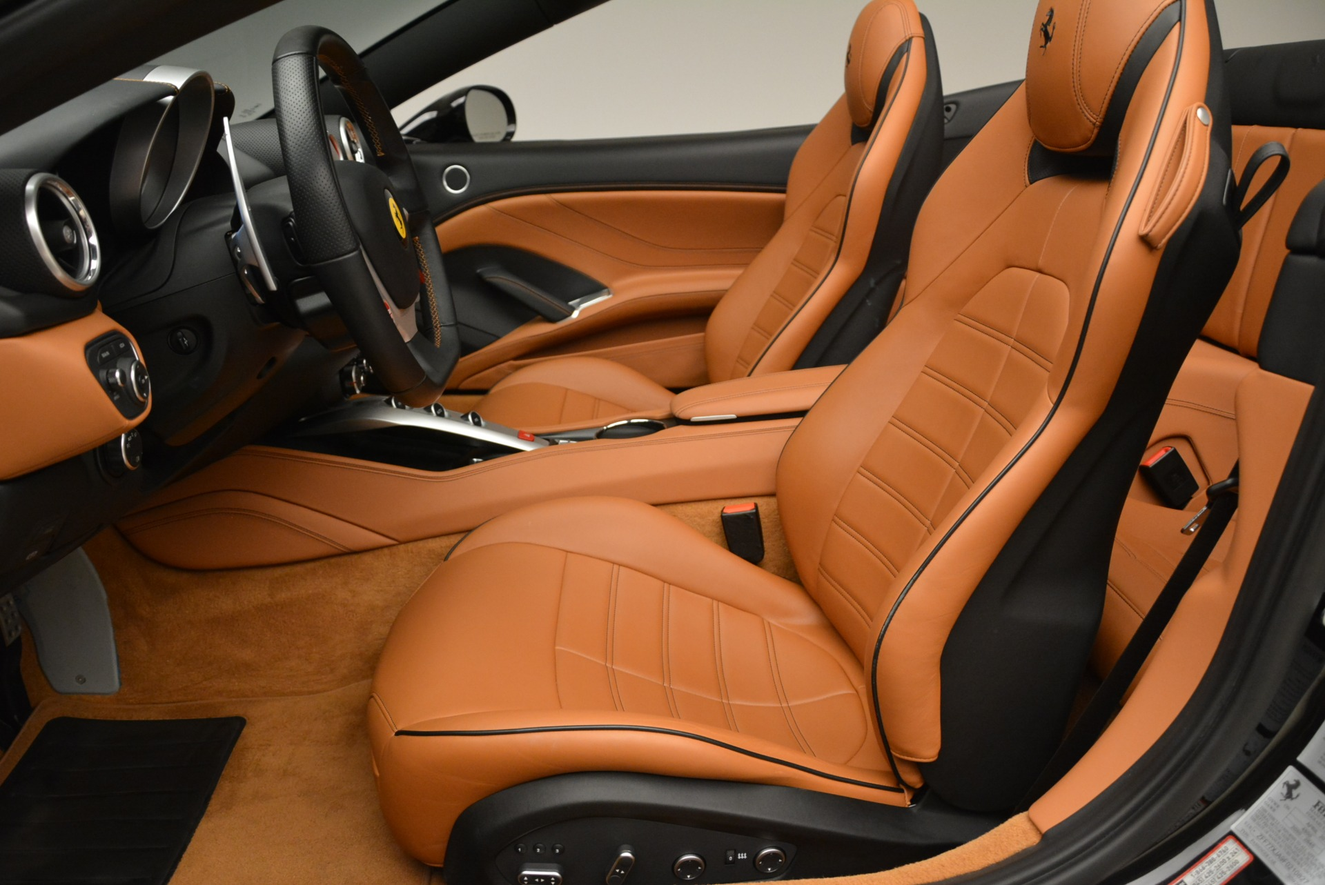 Used 2015 Ferrari California T  For Sale In Greenwich, CT. Alfa Romeo of Greenwich, 4458A 2224_p26