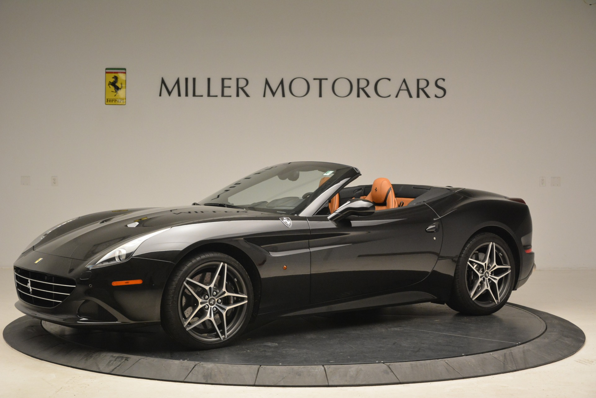 Used 2015 Ferrari California T  For Sale In Greenwich, CT. Alfa Romeo of Greenwich, 4458A 2224_p2