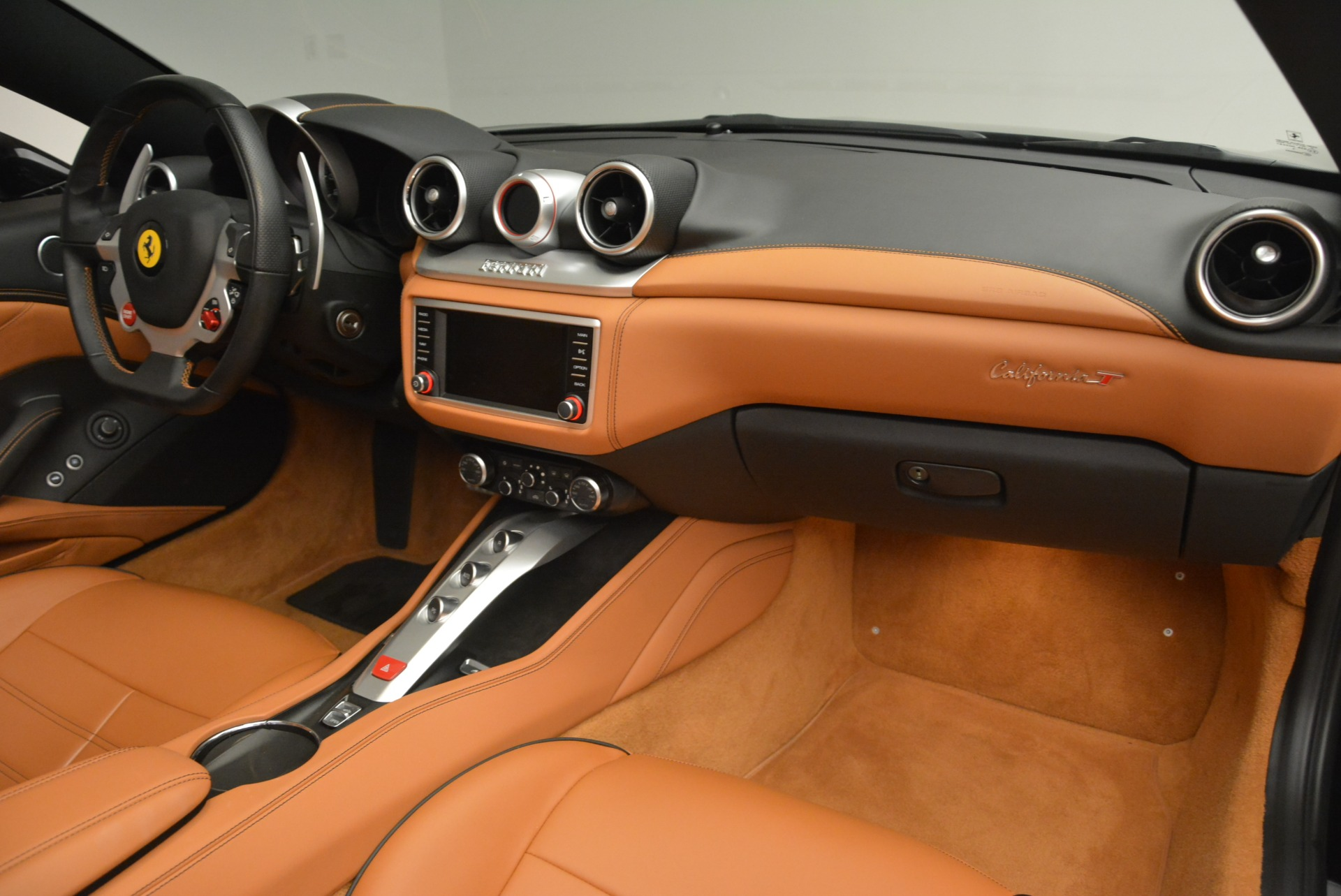 Used 2015 Ferrari California T  For Sale In Greenwich, CT. Alfa Romeo of Greenwich, 4458A 2224_p30
