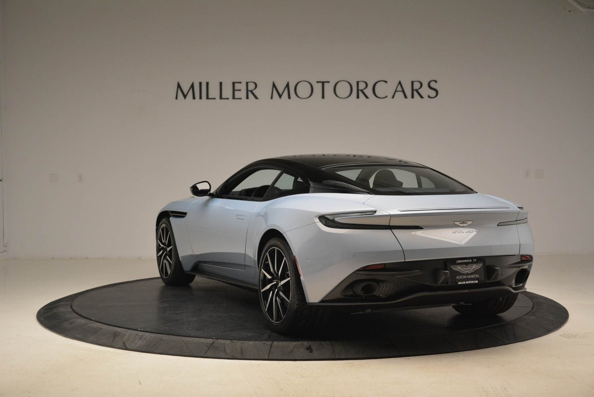 New 2018 Aston Martin DB11 V12 For Sale In Greenwich, CT. Alfa Romeo of Greenwich, A1269 2225_p5