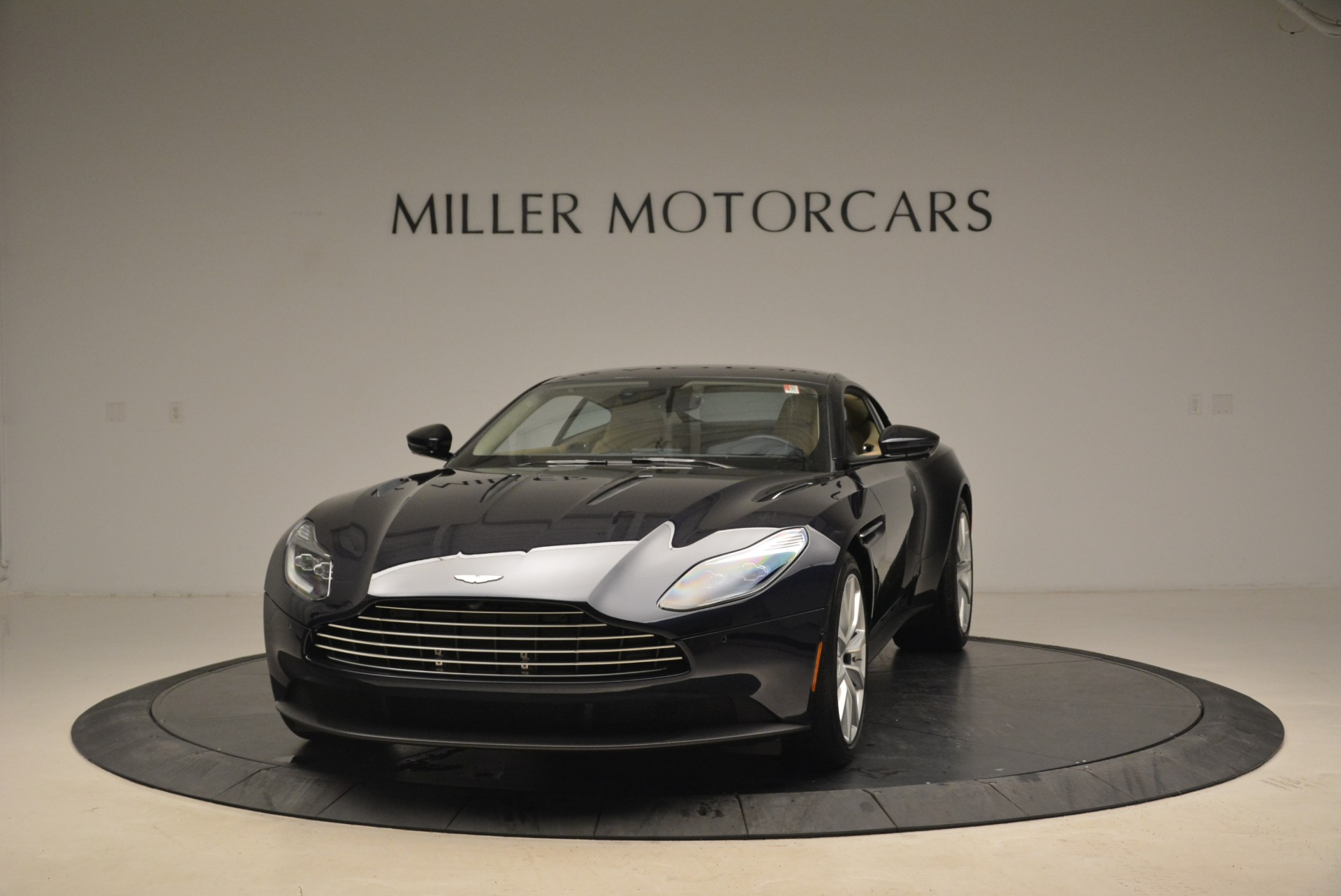 New 2018 Aston Martin DB11 V12 Coupe For Sale $254669 In Greenwich, CT 2227_main