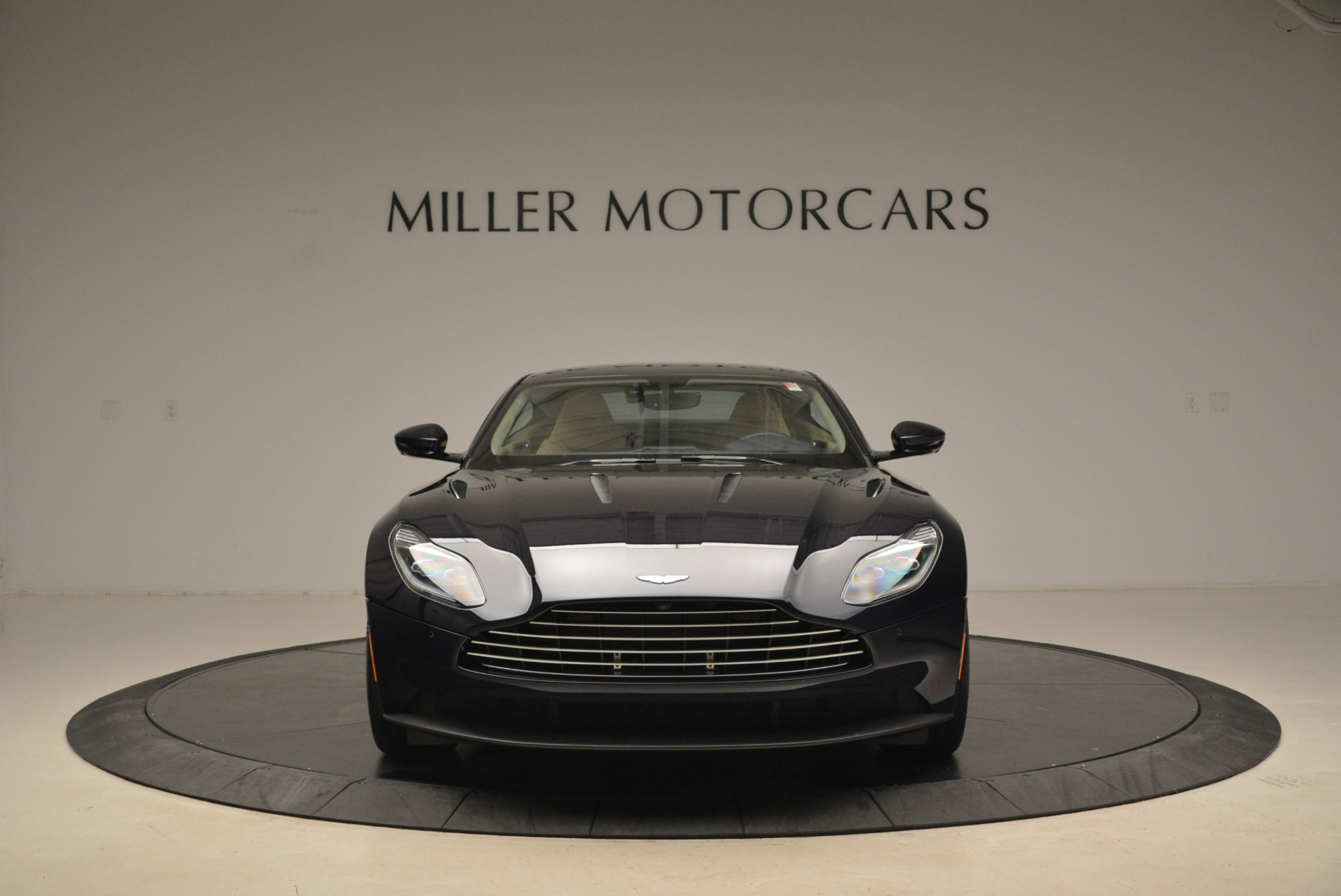 New 2018 Aston Martin DB11 V12 Coupe For Sale $254669 In Greenwich, CT 2227_p12
