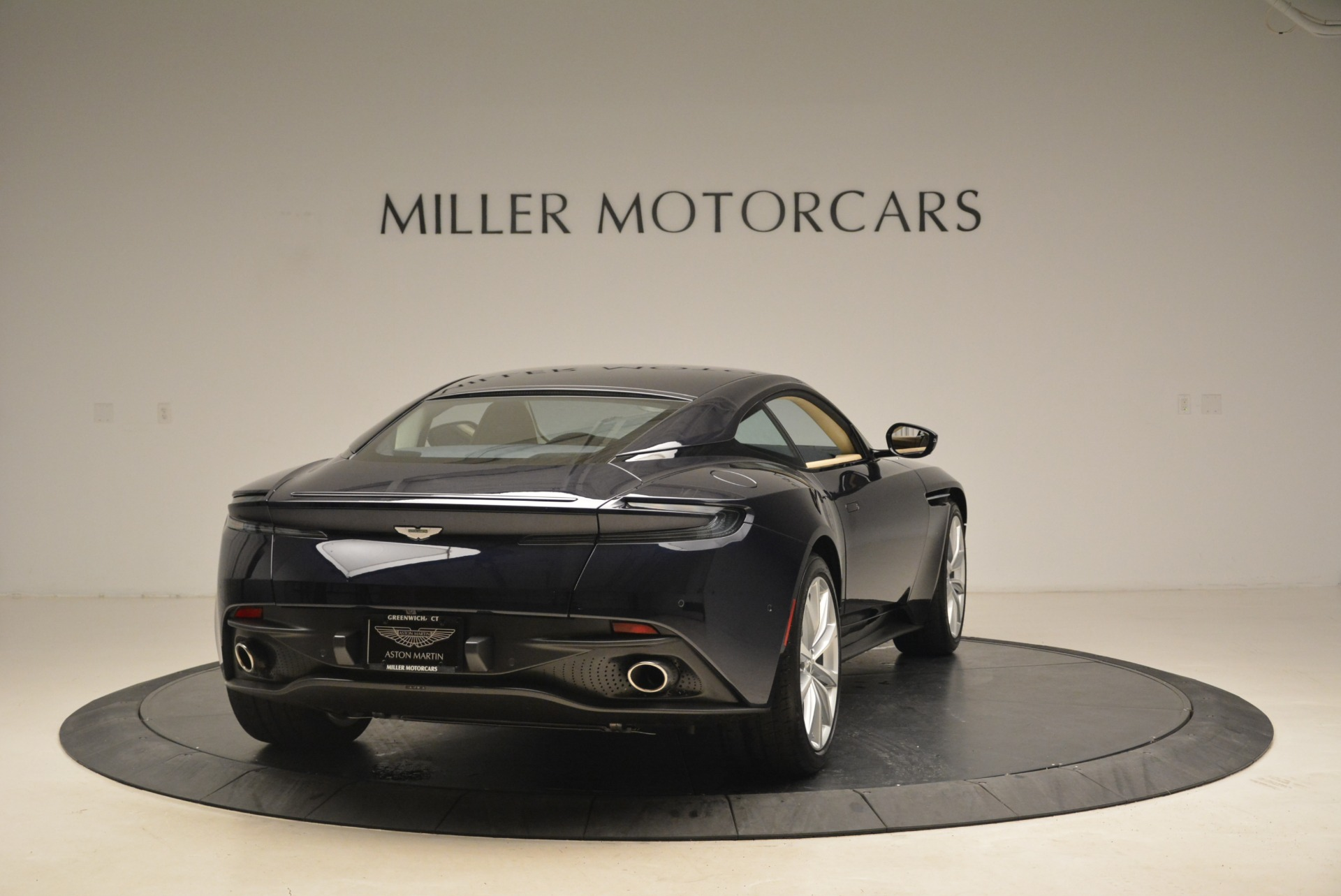 New 2018 Aston Martin DB11 V12 Coupe For Sale $254669 In Greenwich, CT 2227_p7