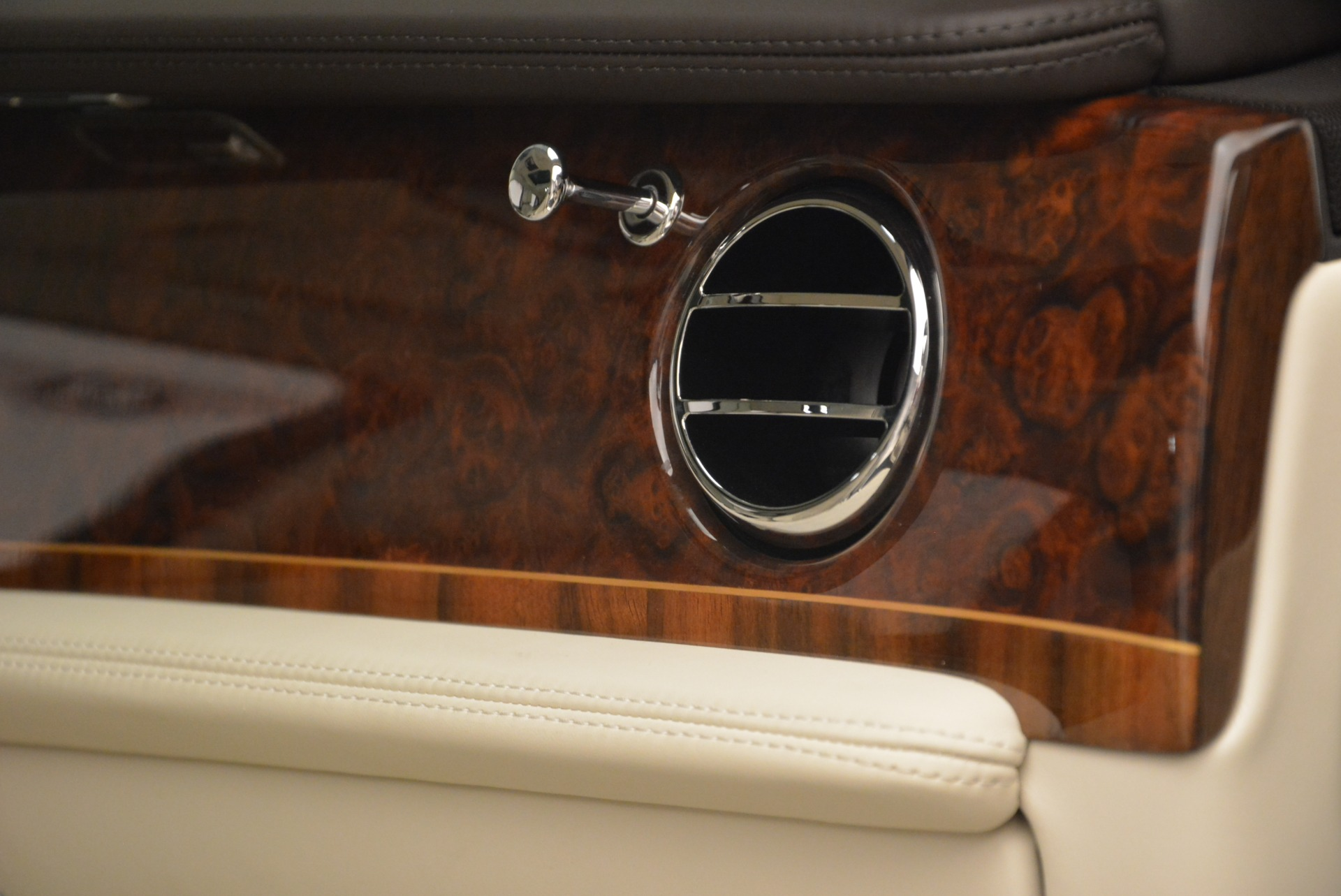 Used 2013 Bentley Mulsanne  For Sale In Greenwich, CT. Alfa Romeo of Greenwich, R460A 2230_p29