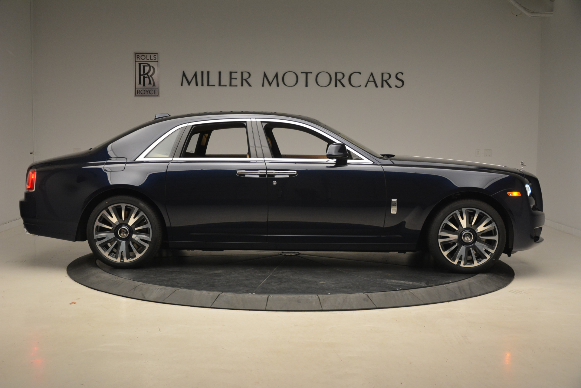 Used 2018 Rolls-Royce Ghost  For Sale In Greenwich, CT. Alfa Romeo of Greenwich, R459 2231_p10
