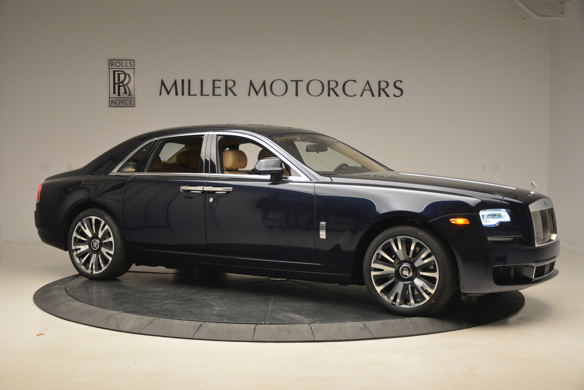 Used 2018 Rolls-Royce Ghost  For Sale In Greenwich, CT. Alfa Romeo of Greenwich, R459 2231_p11