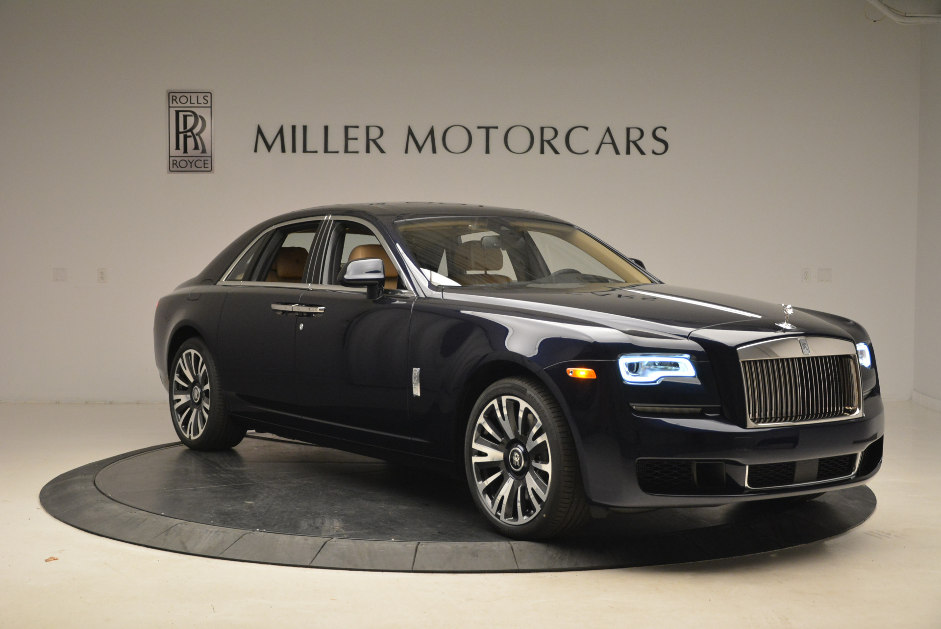 Used 2018 Rolls-Royce Ghost  For Sale In Greenwich, CT. Alfa Romeo of Greenwich, R459 2231_p12