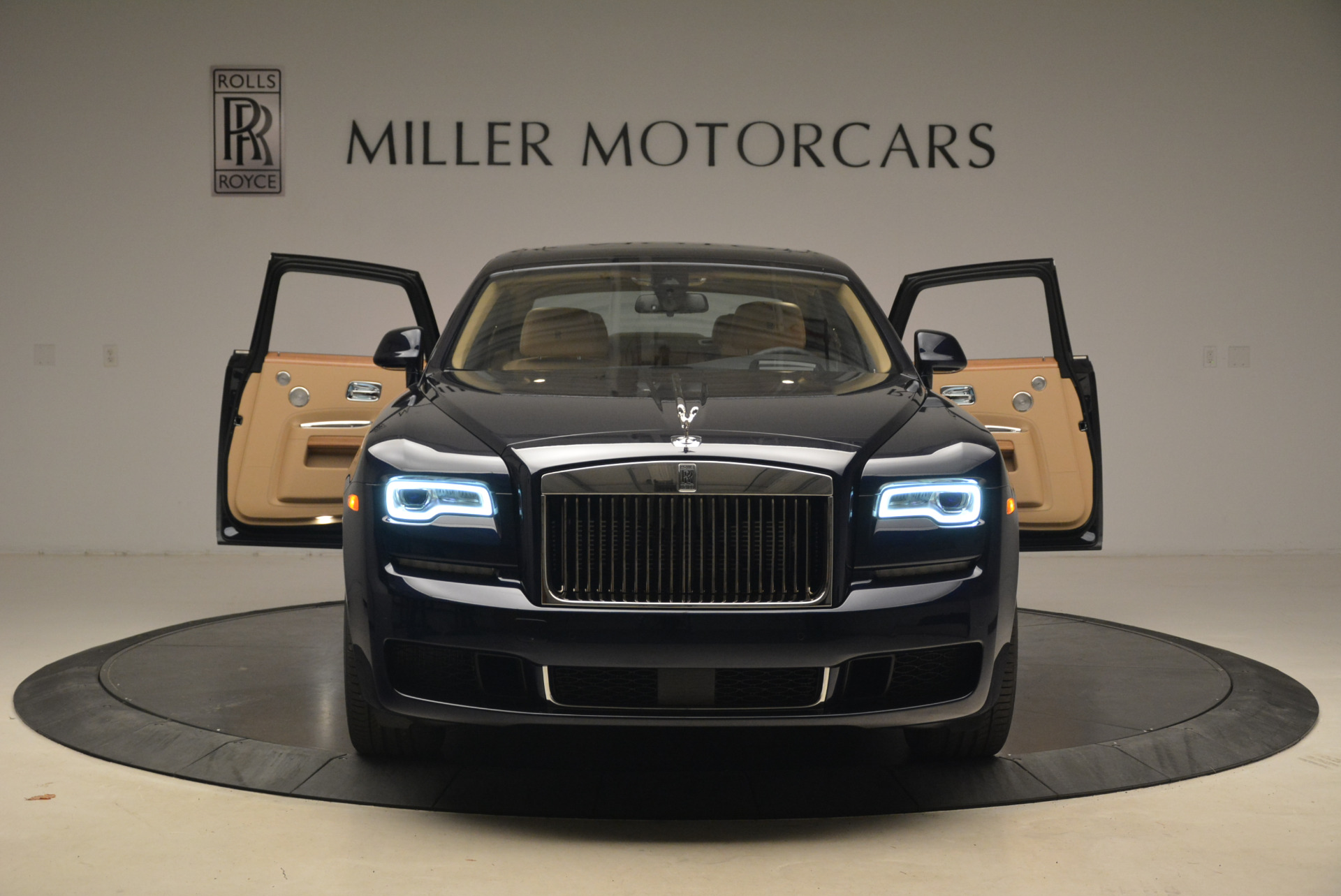 Used 2018 Rolls-Royce Ghost  For Sale In Greenwich, CT. Alfa Romeo of Greenwich, R459 2231_p13