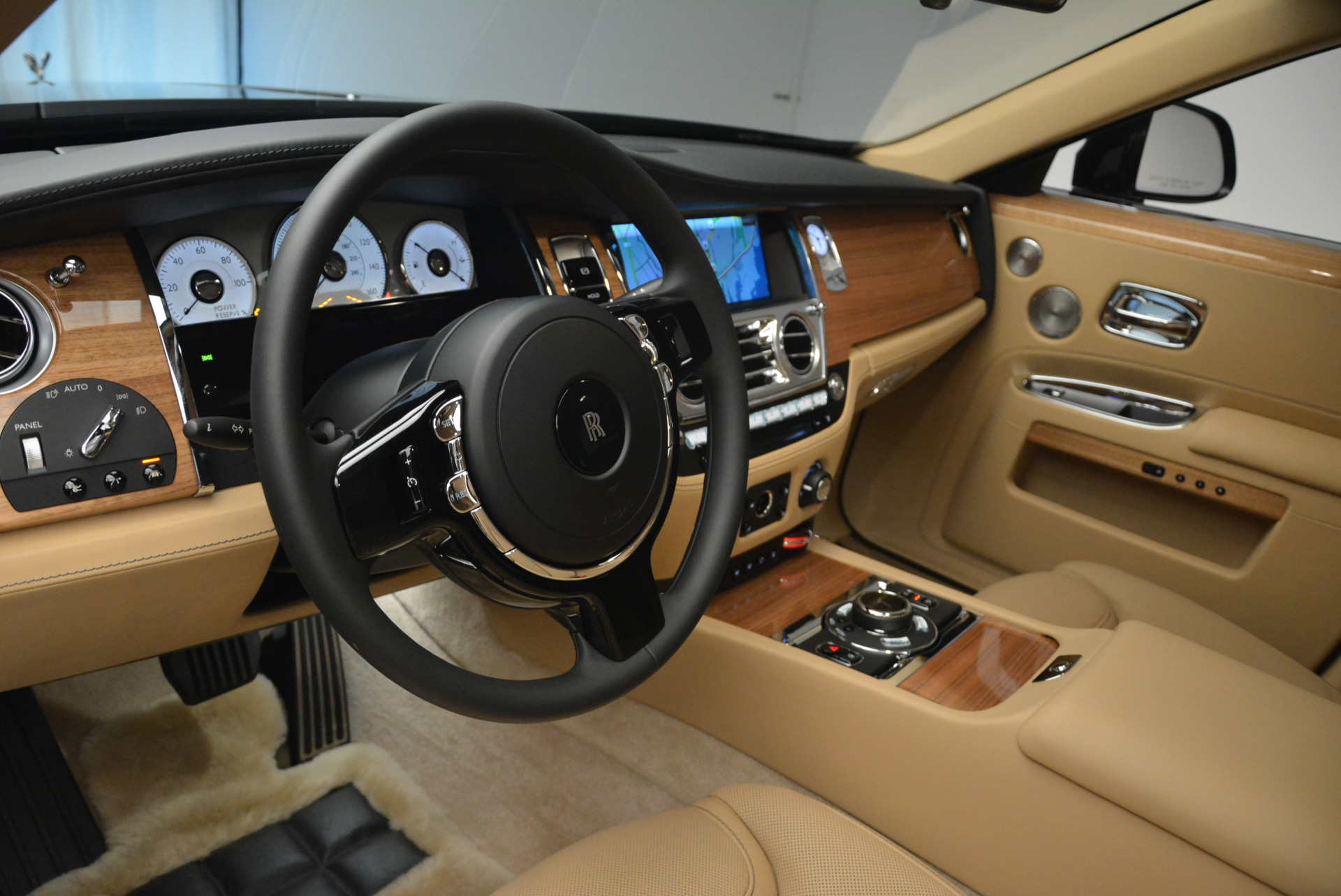 Used 2018 Rolls-Royce Ghost  For Sale In Greenwich, CT. Alfa Romeo of Greenwich, R459 2231_p17
