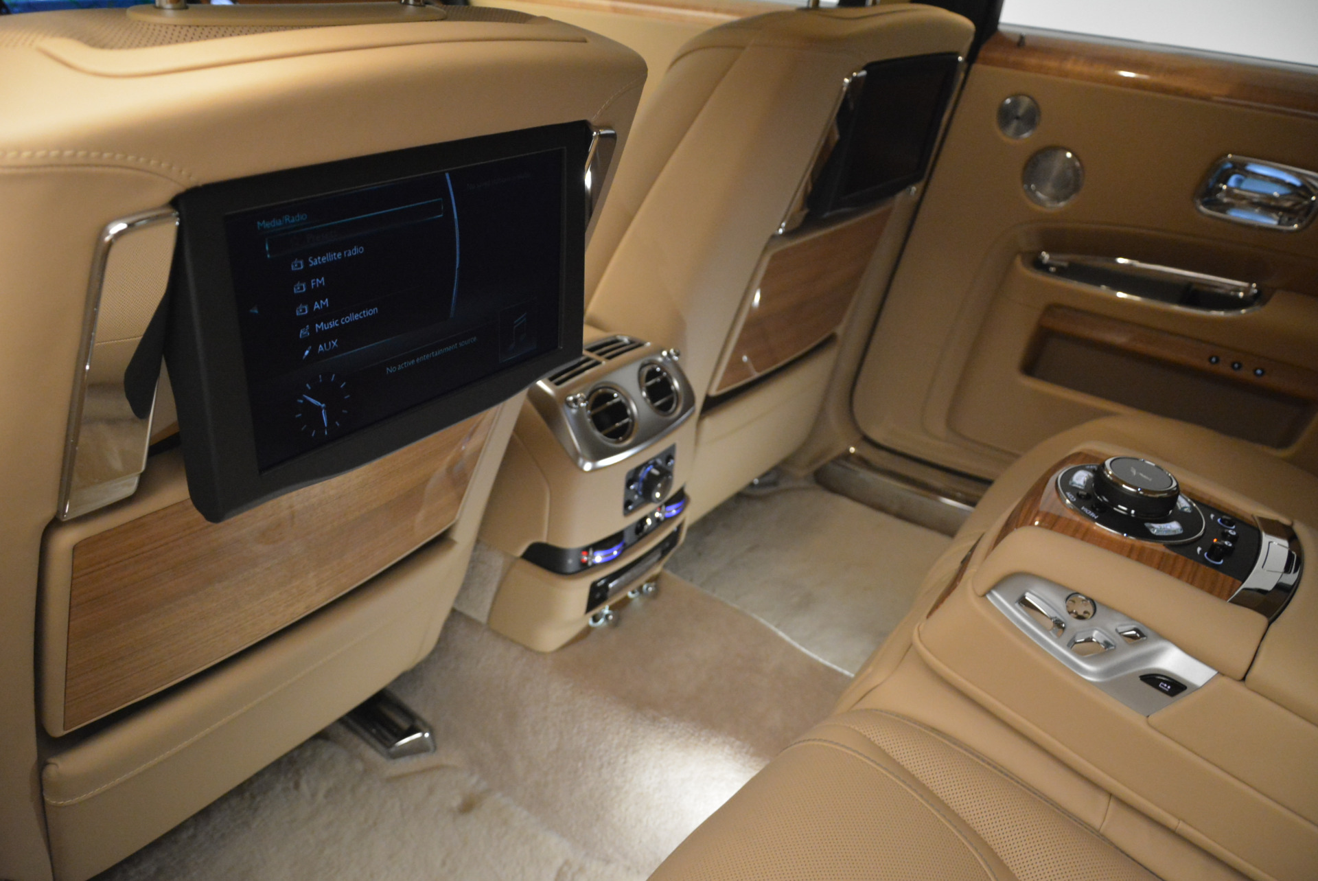 Used 2018 Rolls-Royce Ghost  For Sale In Greenwich, CT. Alfa Romeo of Greenwich, R459 2231_p23