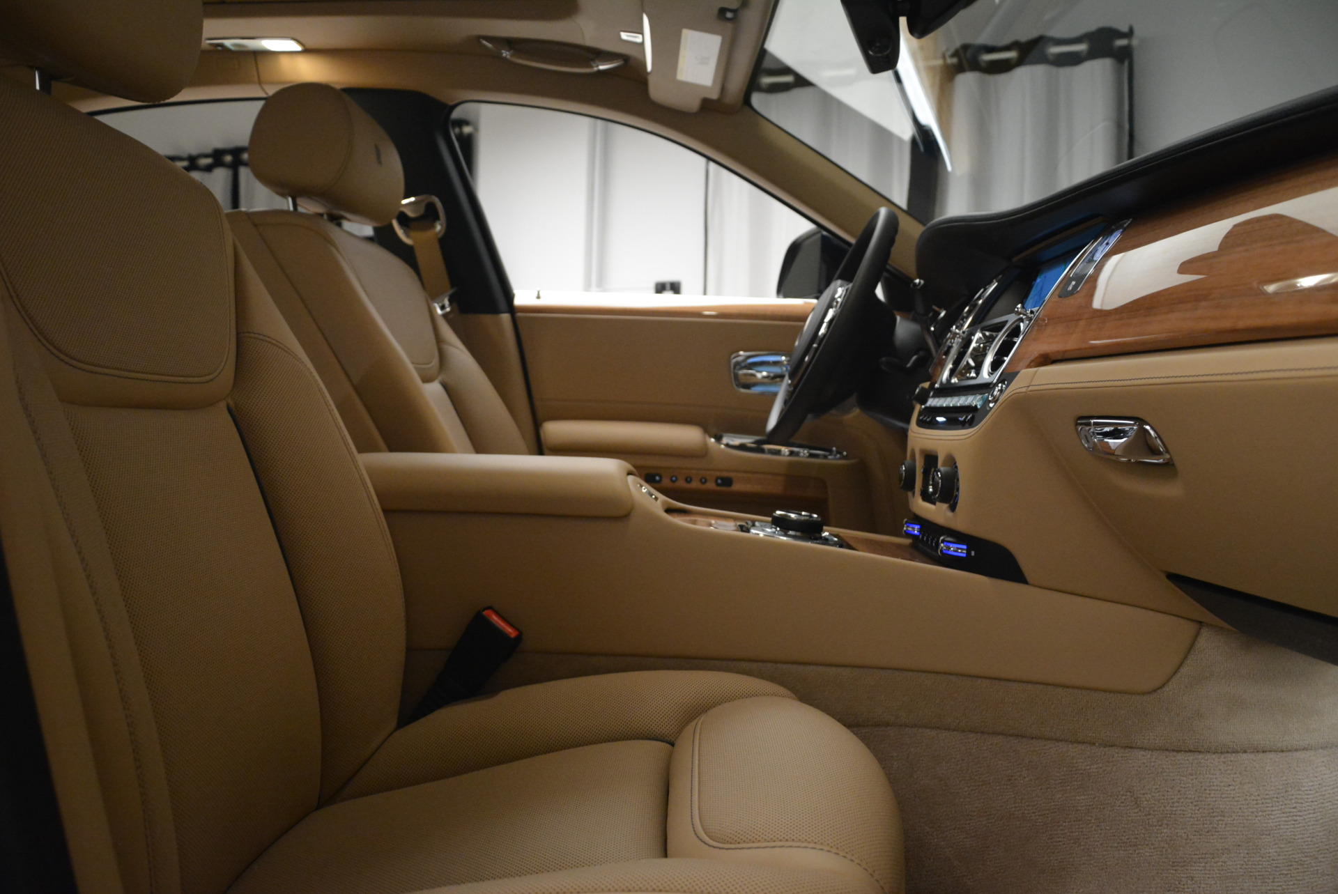 Used 2018 Rolls-Royce Ghost  For Sale In Greenwich, CT. Alfa Romeo of Greenwich, R459 2231_p27