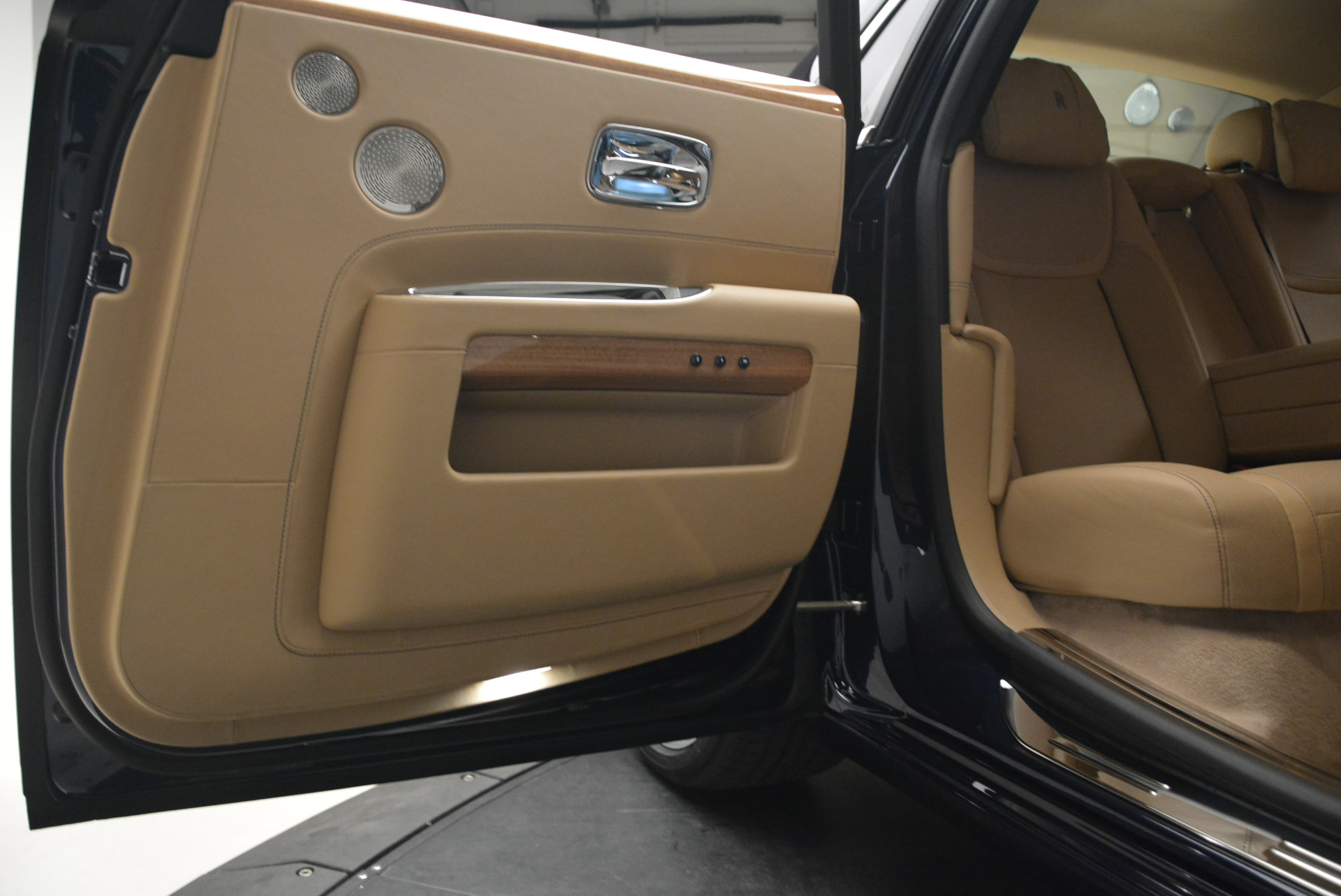 Used 2018 Rolls-Royce Ghost  For Sale In Greenwich, CT. Alfa Romeo of Greenwich, R459 2231_p28