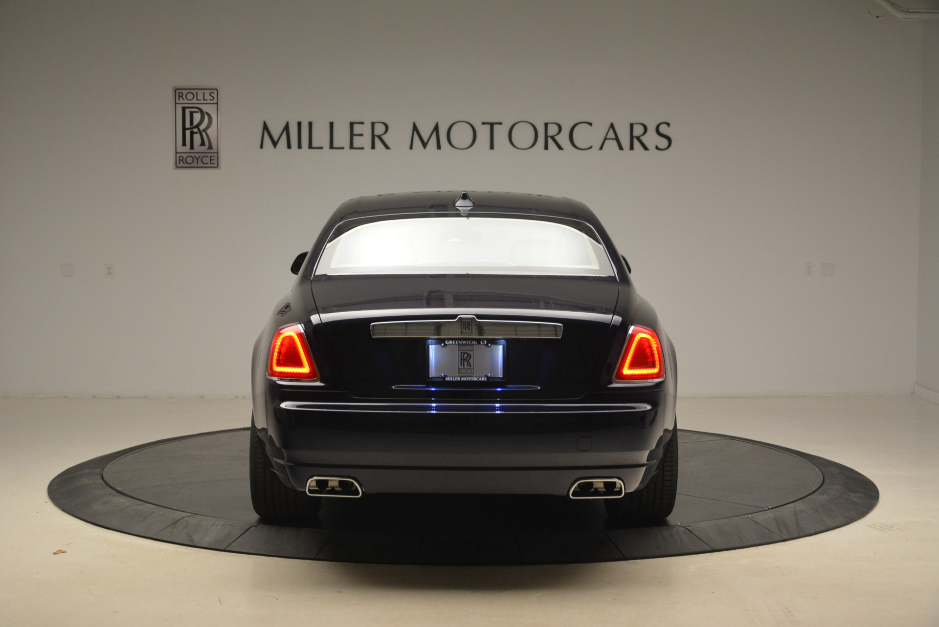 Used 2018 Rolls-Royce Ghost  For Sale In Greenwich, CT. Alfa Romeo of Greenwich, R459 2231_p8