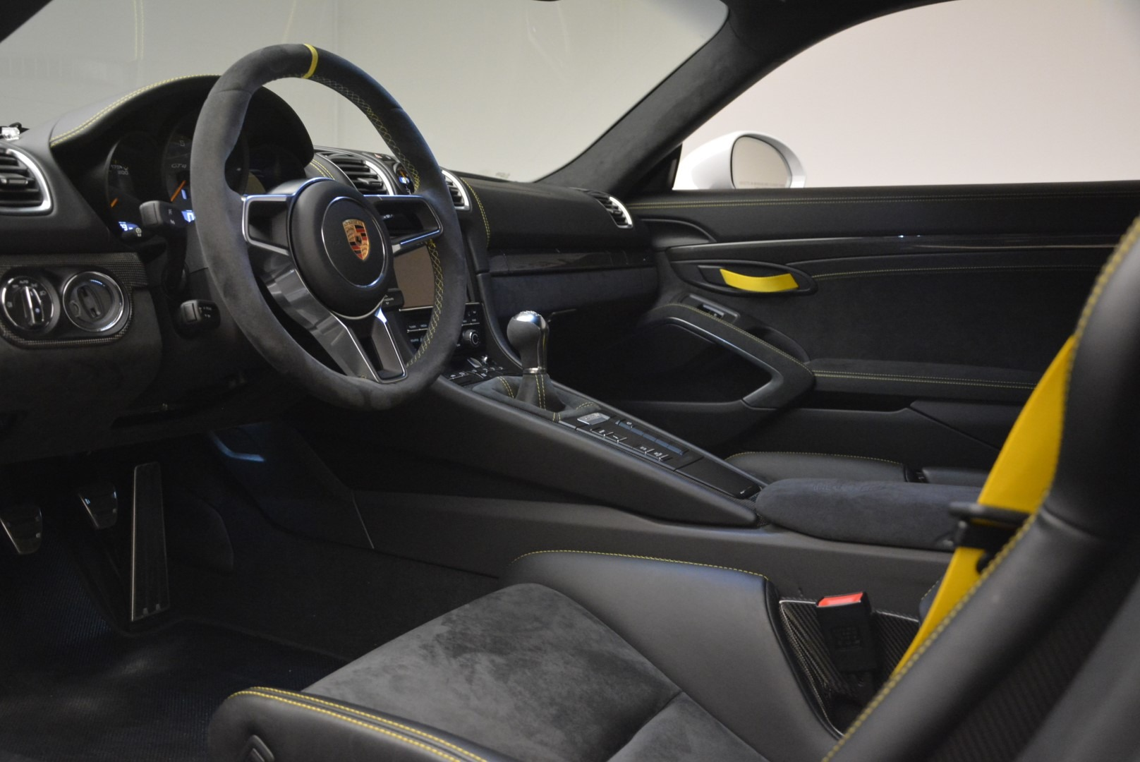 Used 2016 Porsche Cayman GT4 For Sale In Greenwich, CT. Alfa Romeo of Greenwich, 4472A 2234_p15
