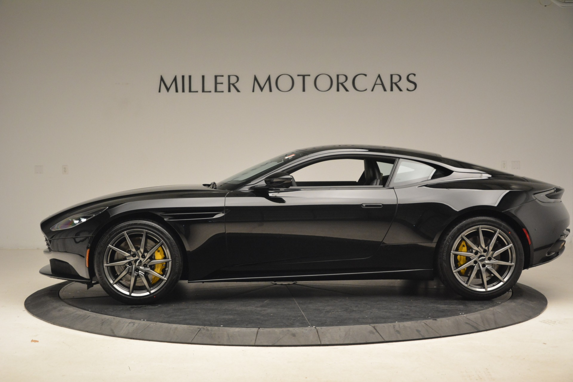 New 2018 Aston Martin DB11 V8 Coupe For Sale In Greenwich, CT. Alfa Romeo of Greenwich, A1278 2237_p3