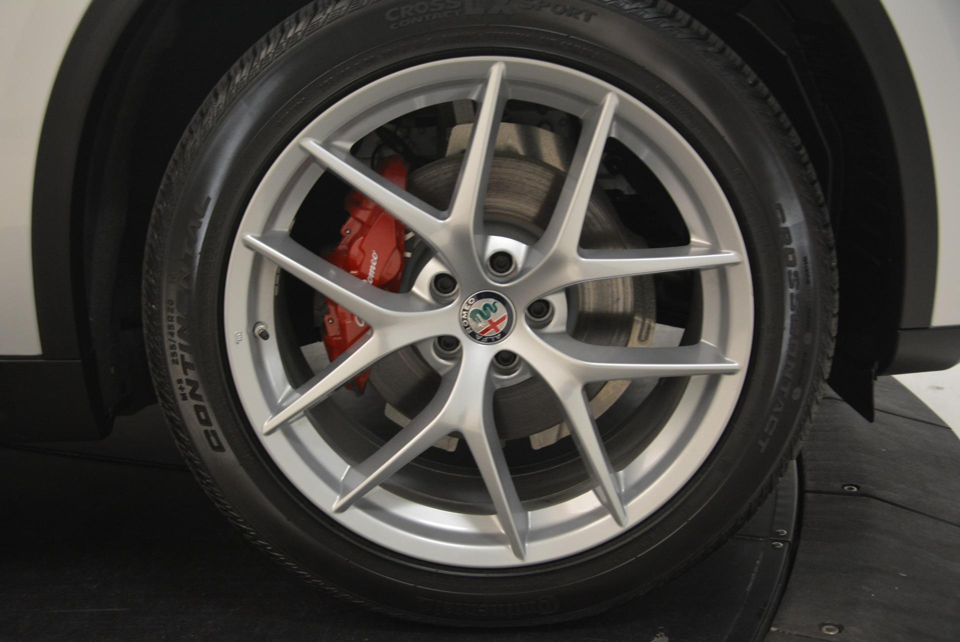 New 2018 Alfa Romeo Stelvio Ti Sport Q4 For Sale In Greenwich, CT. Alfa Romeo of Greenwich, L409 2247_p25